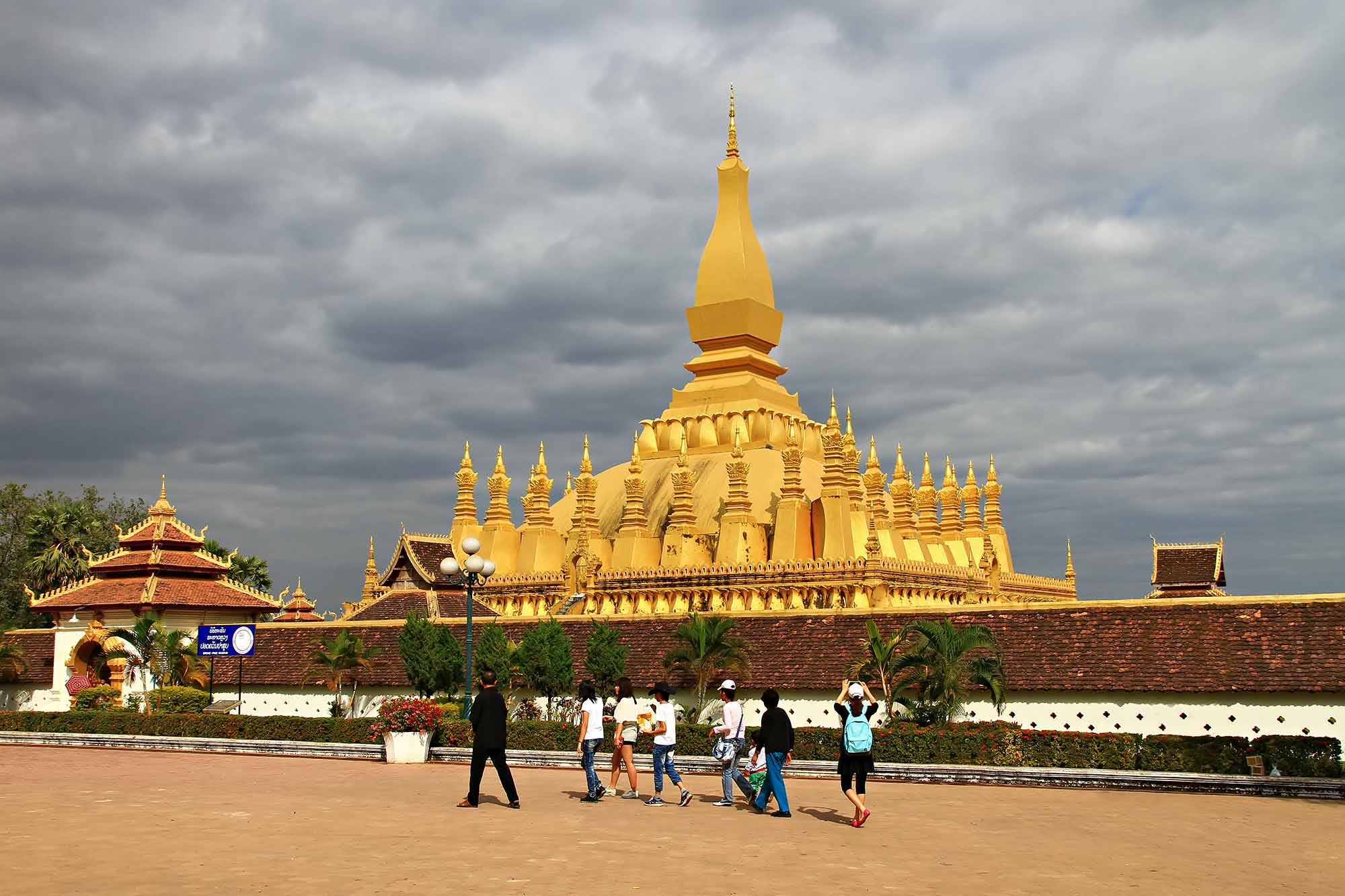 Pha-That-Luang-Temple-Vientiane-Laos
