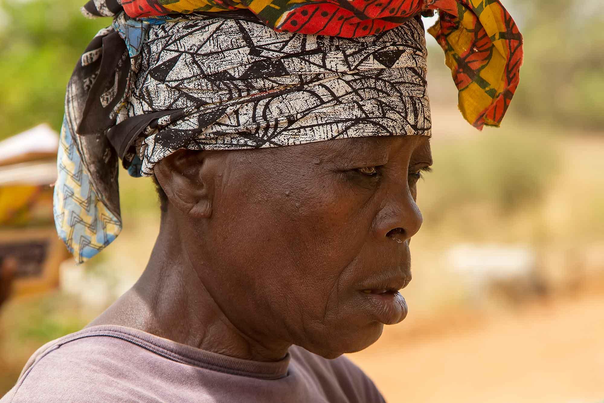 banfora-working-woman-portrait-burkina-faso-africa