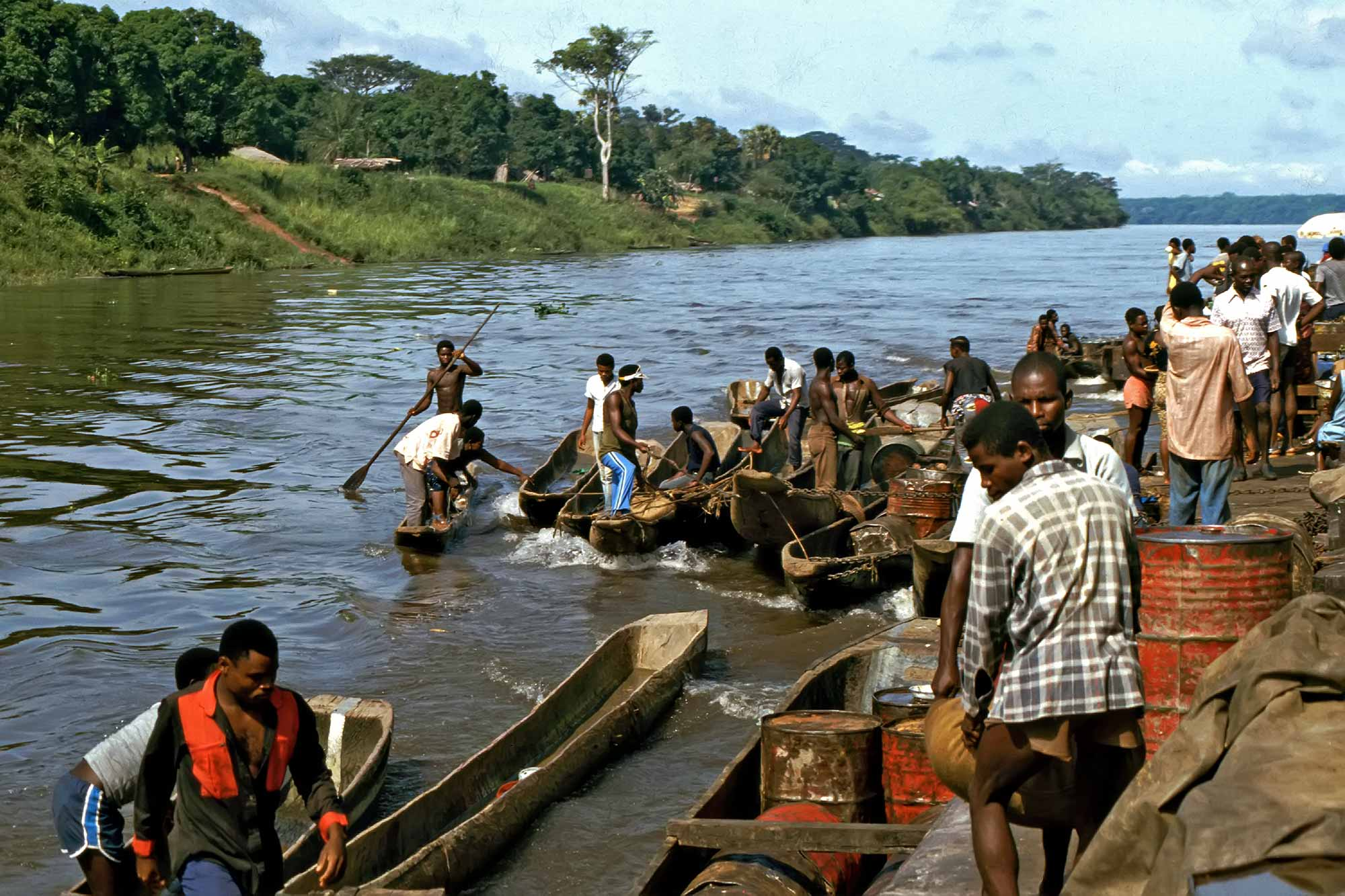 boat-ride-on-the-congo-river-zaire-africa