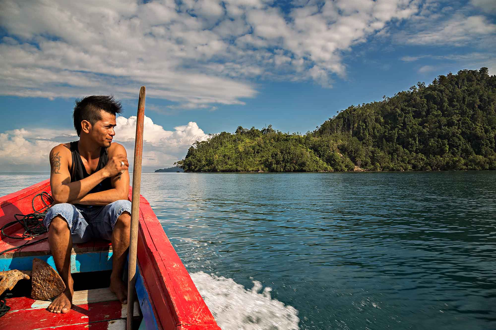 Exploring the islands off the coast of West Sumatra, Indonesia. © Ulli Maier & Nisa Maier