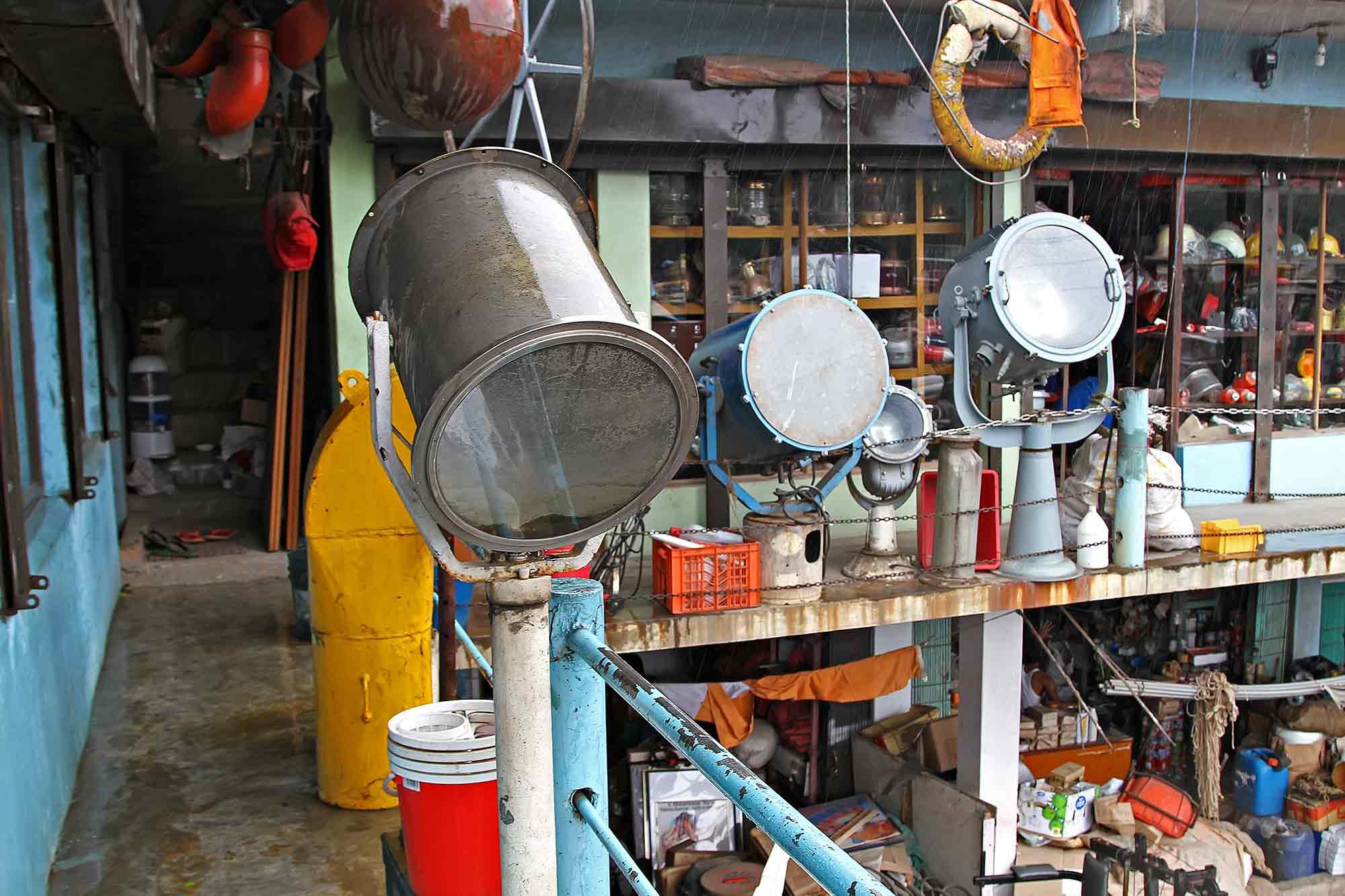 chittagong-ship-breaking-yard-bangladesh-shop