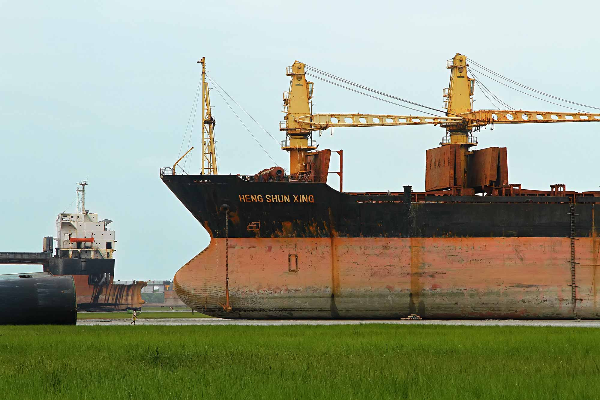 chittagong-ship-breaking-yards-bangladesh
