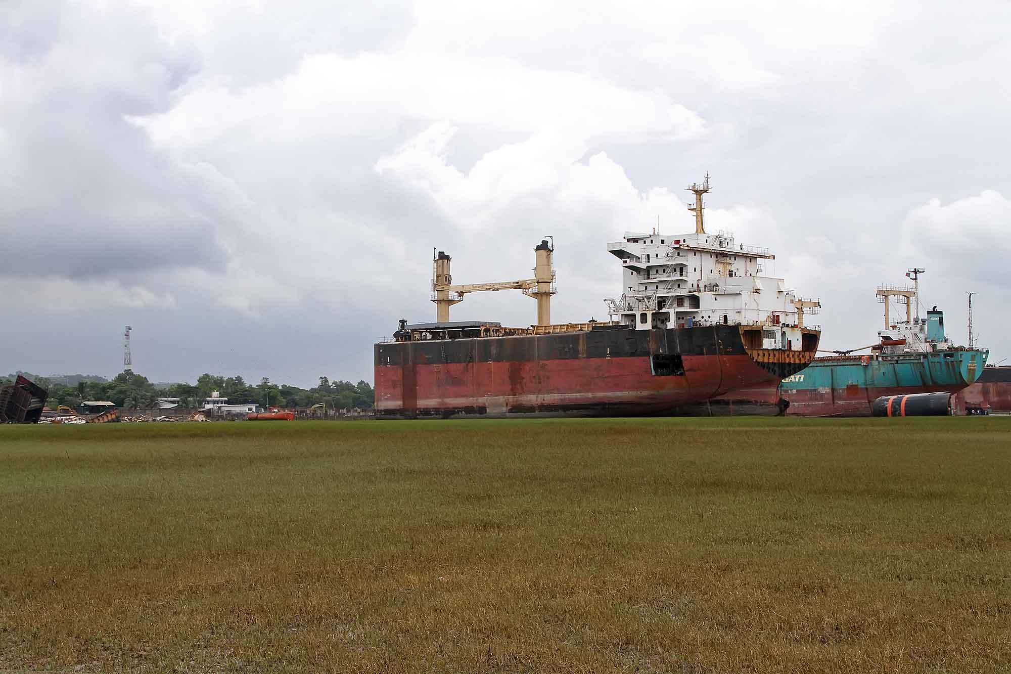 chittagong-shipbreaking-yard-1