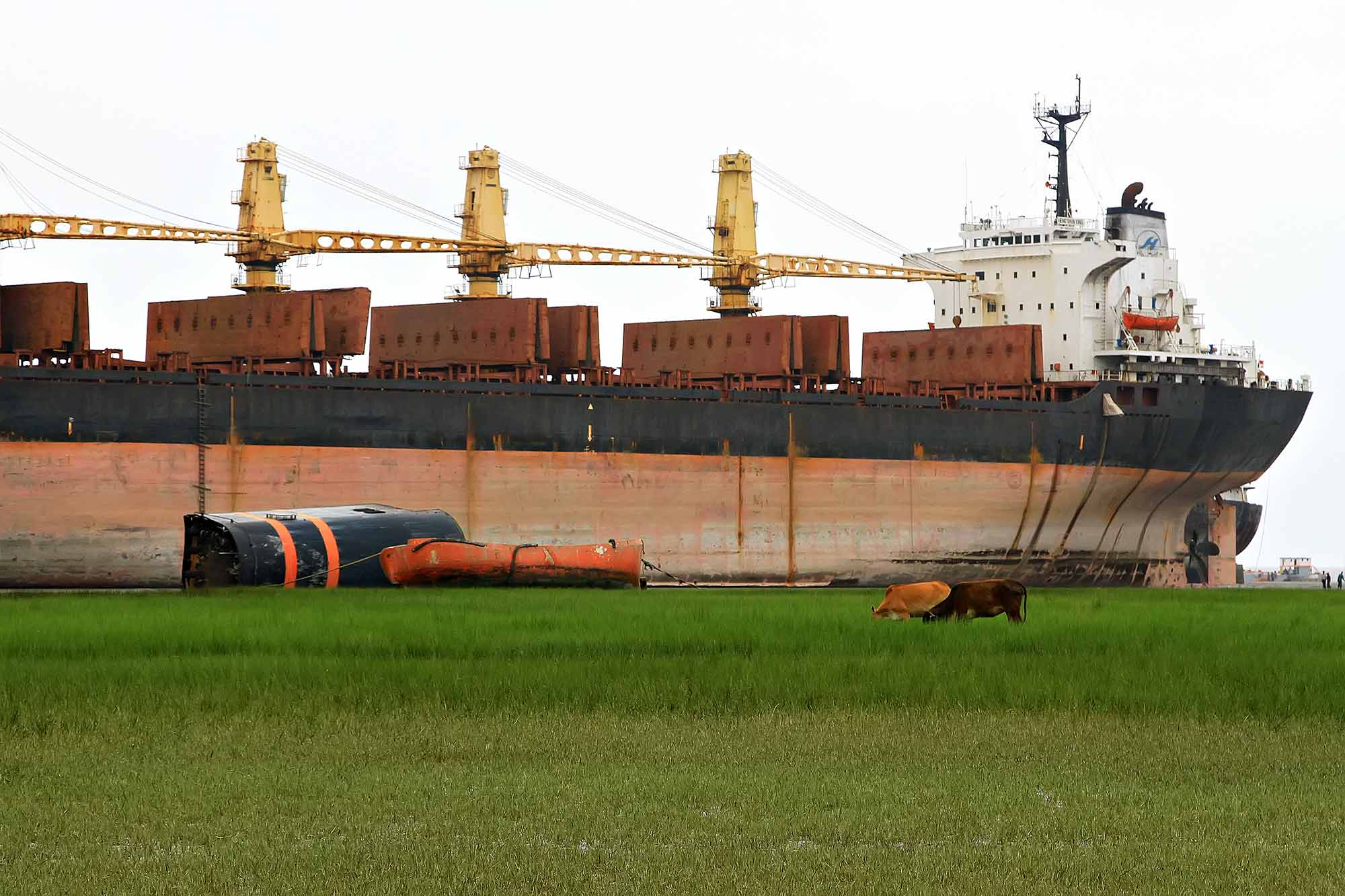 chittagong-shipbreaking-yard-4