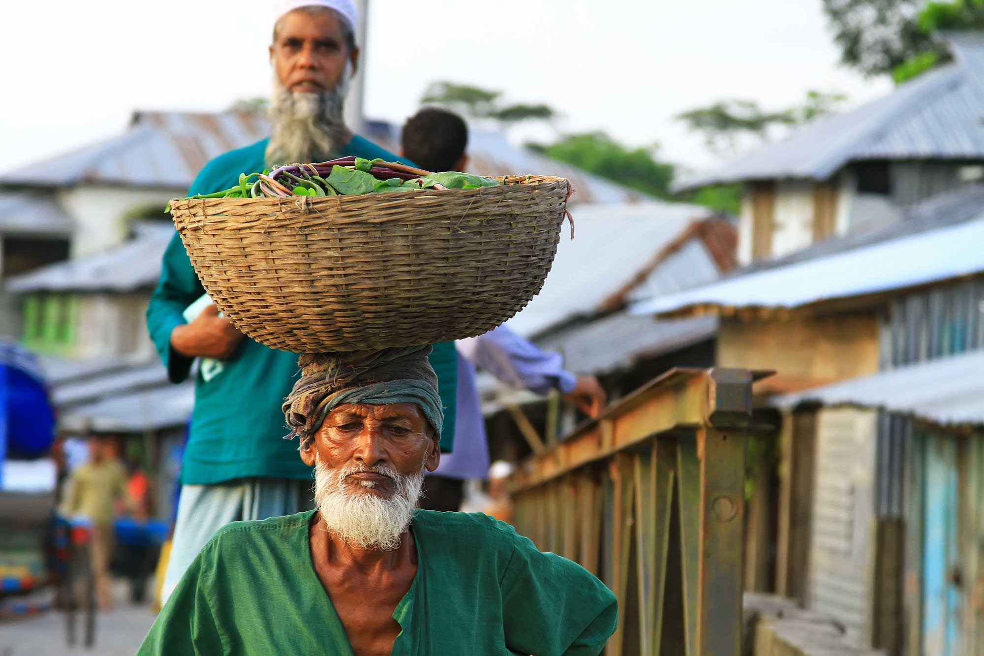 On the way to the market in Galachipa, Bangladesh. © Ulli Maier & Nisa Maier