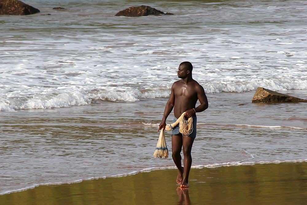 fisherman-beach-takoradi-ghana-featured