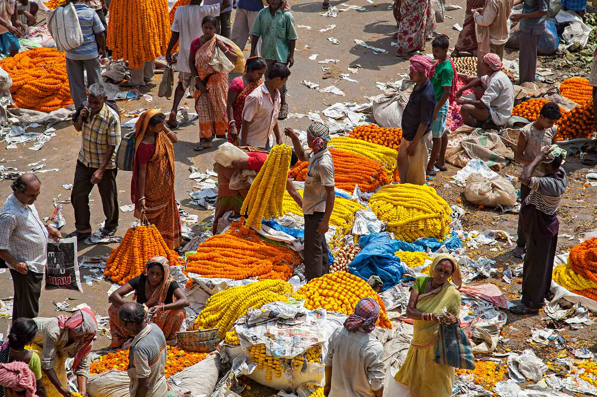At the Mullik Ghat Flower Market in Kolkata, India. © Ulli Maier & Nisa Maier