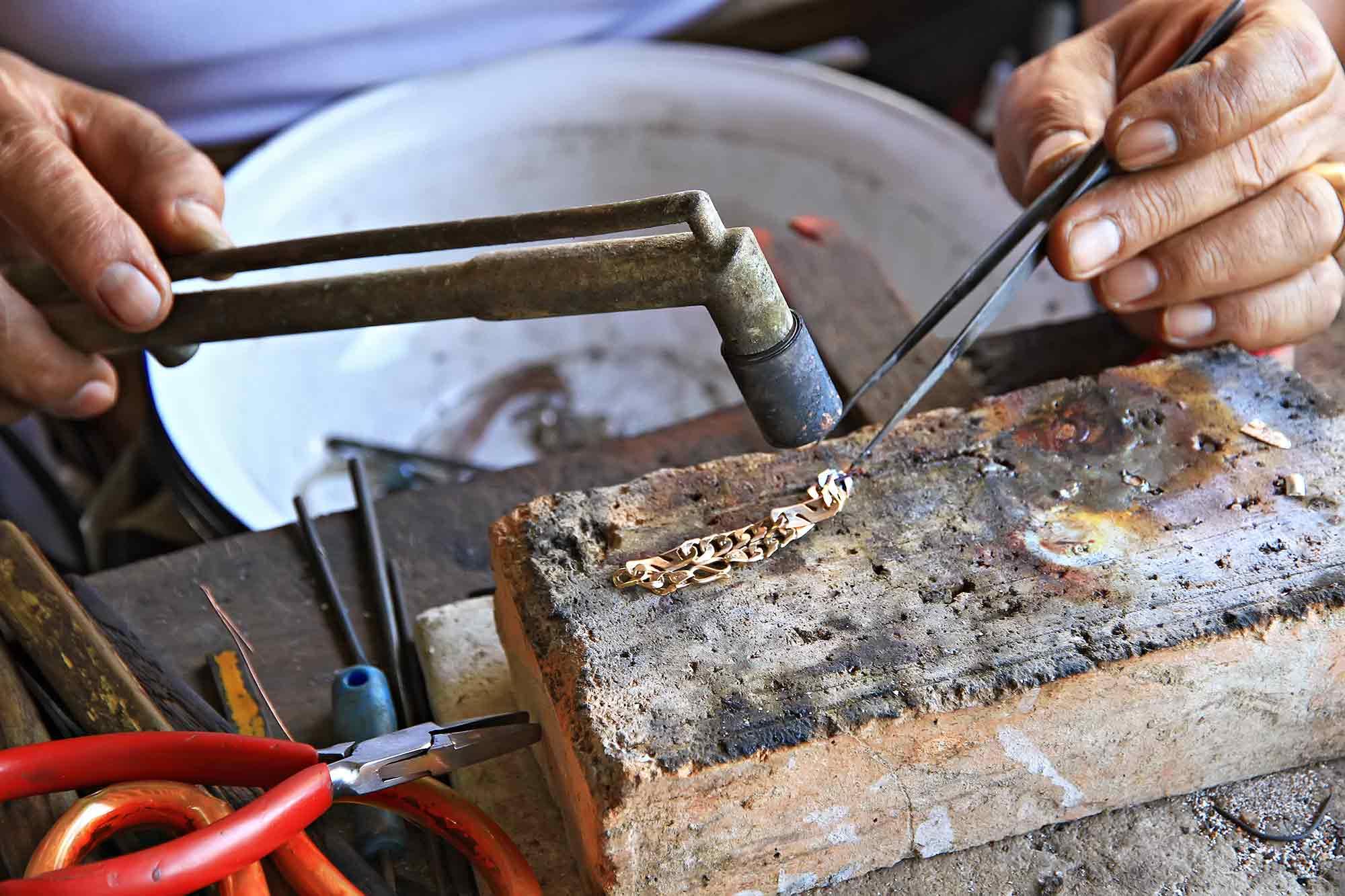 gold-maker-vientiane-laos