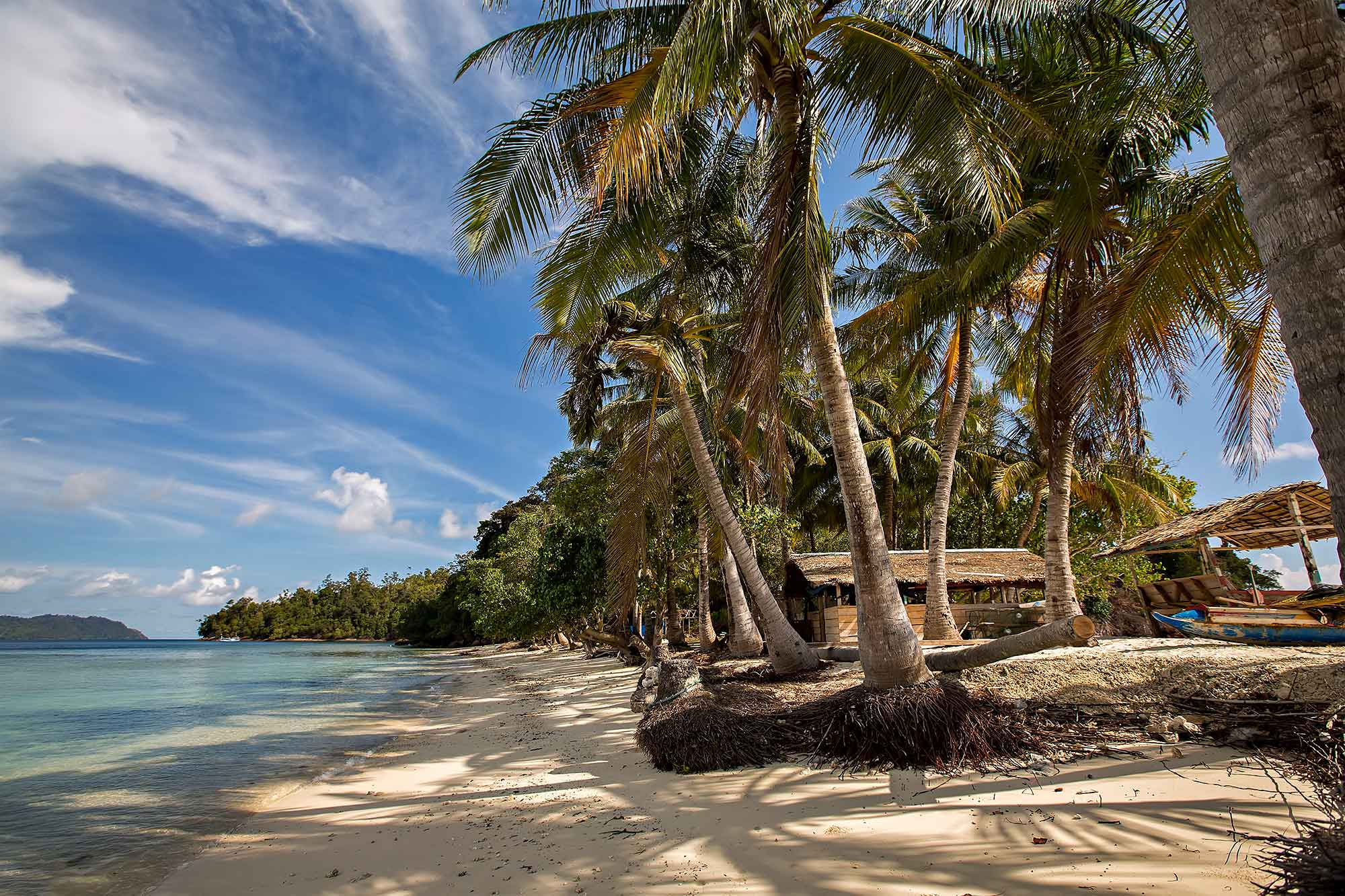 Beach paradise of the Mentawai Islands in West Sumatra, Indonesia. © Ulli Maier & Nisa Maier