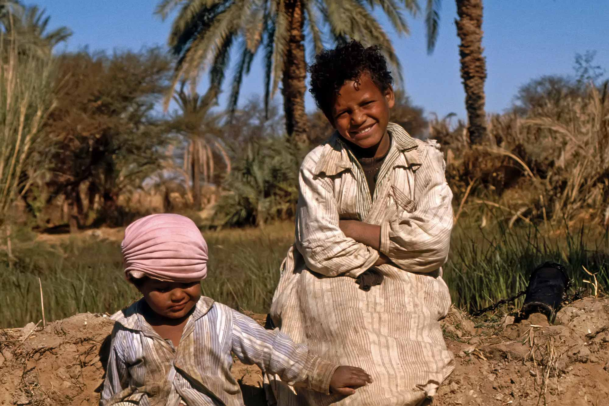 playing-kids-egypt-africa