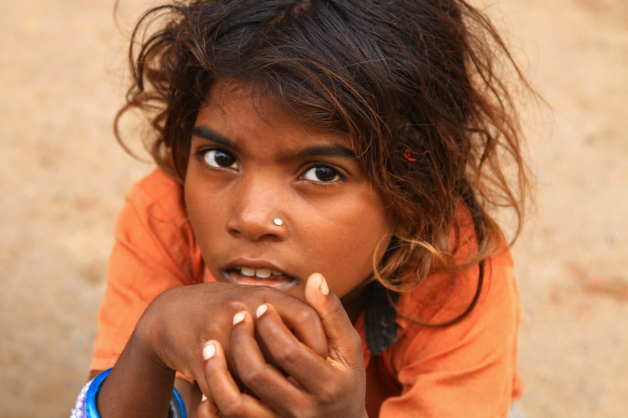 portrait-homeless-street-girl-varanasi-india