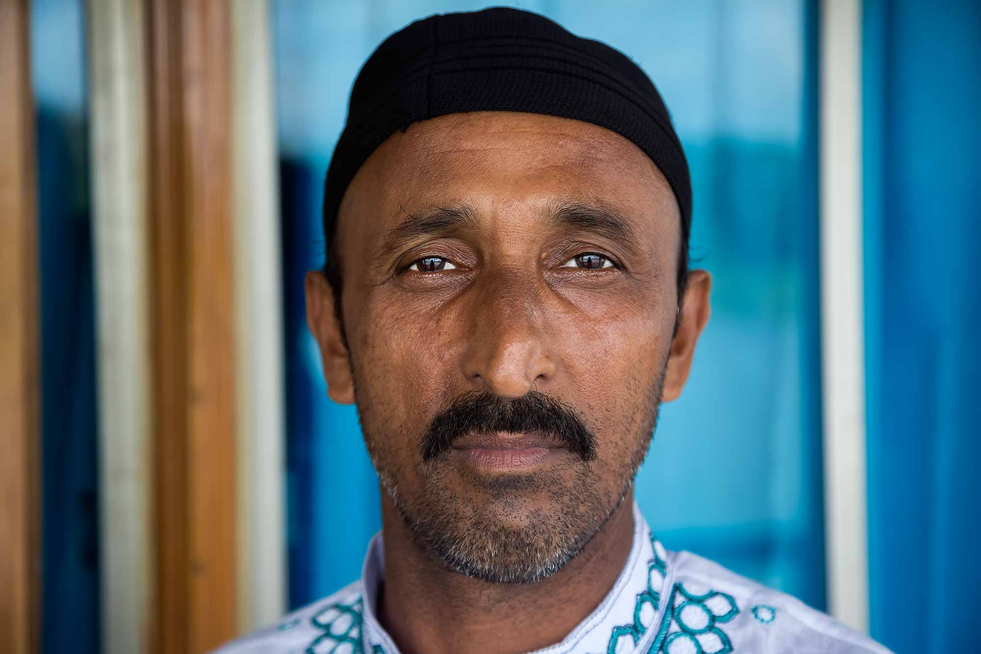 Portrait of a traveller at the Galachipa launch terminal, Bangladesh. © Ulli Maier & Nisa Maier