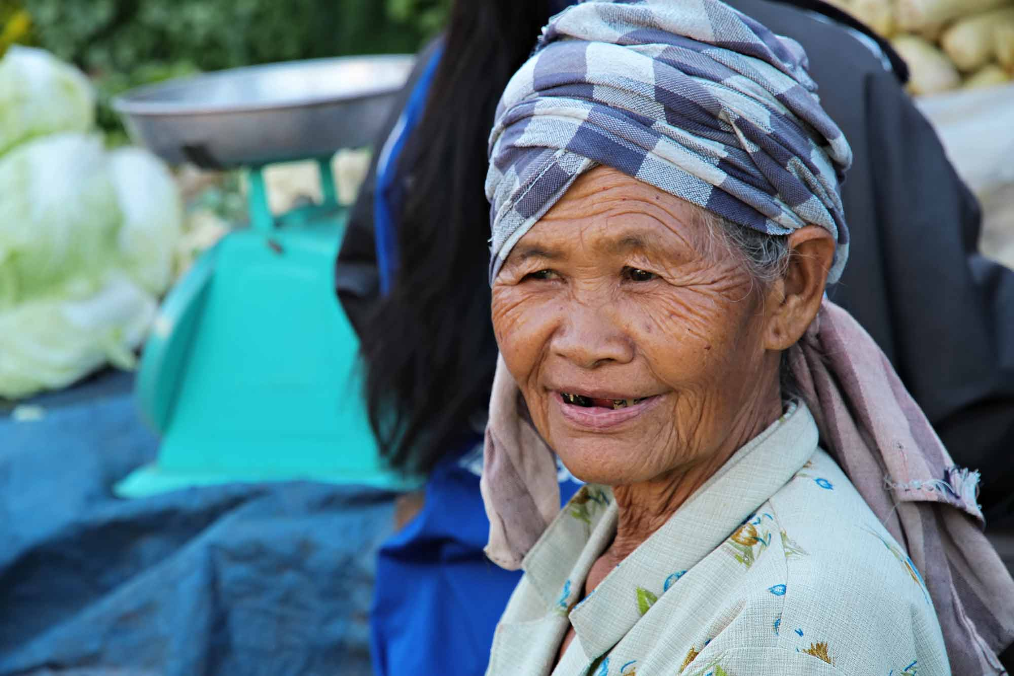 portrait-old-woman-at-market-laos