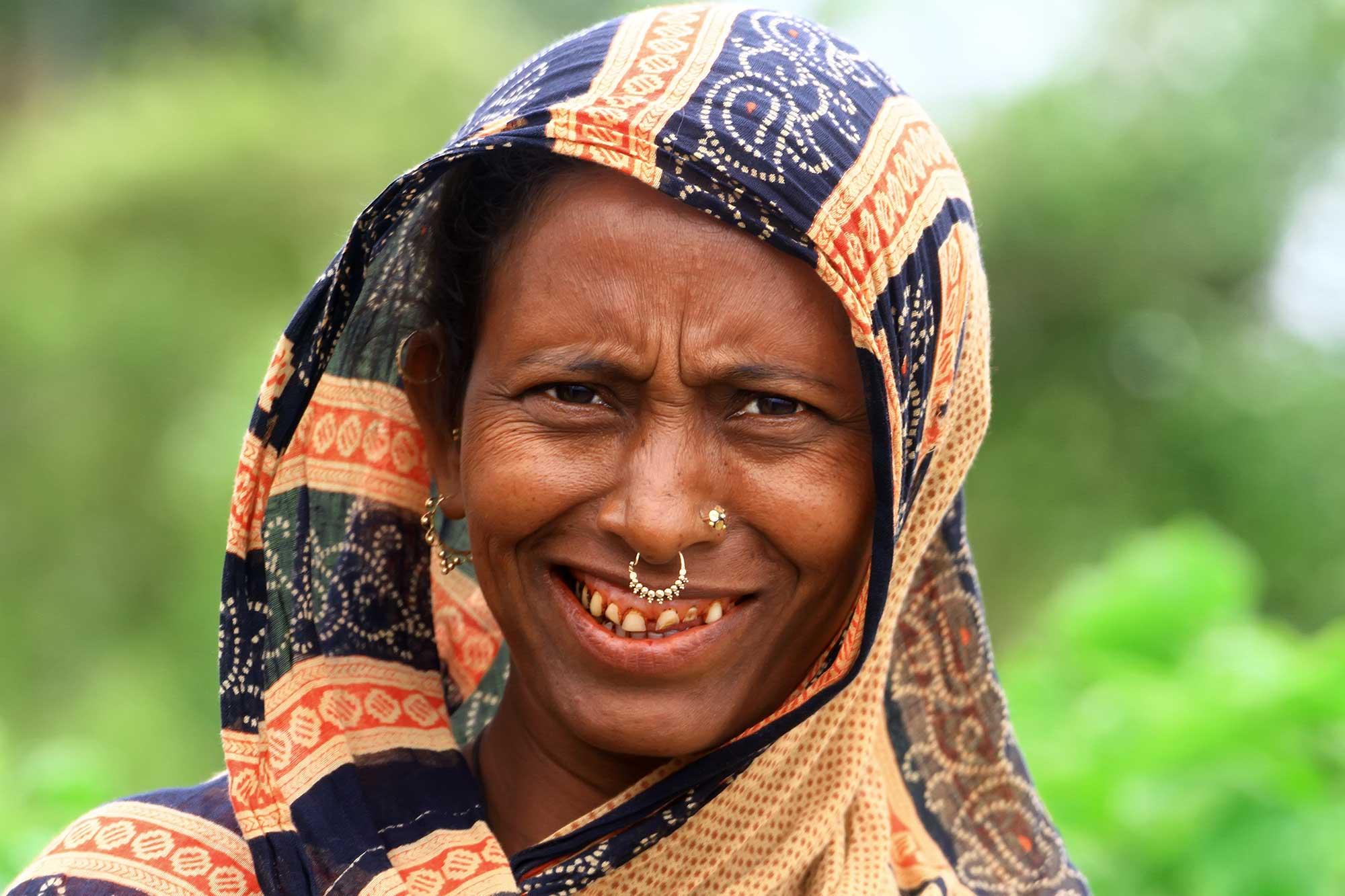 portrait-smiling-woman-kuakata-bangladesh