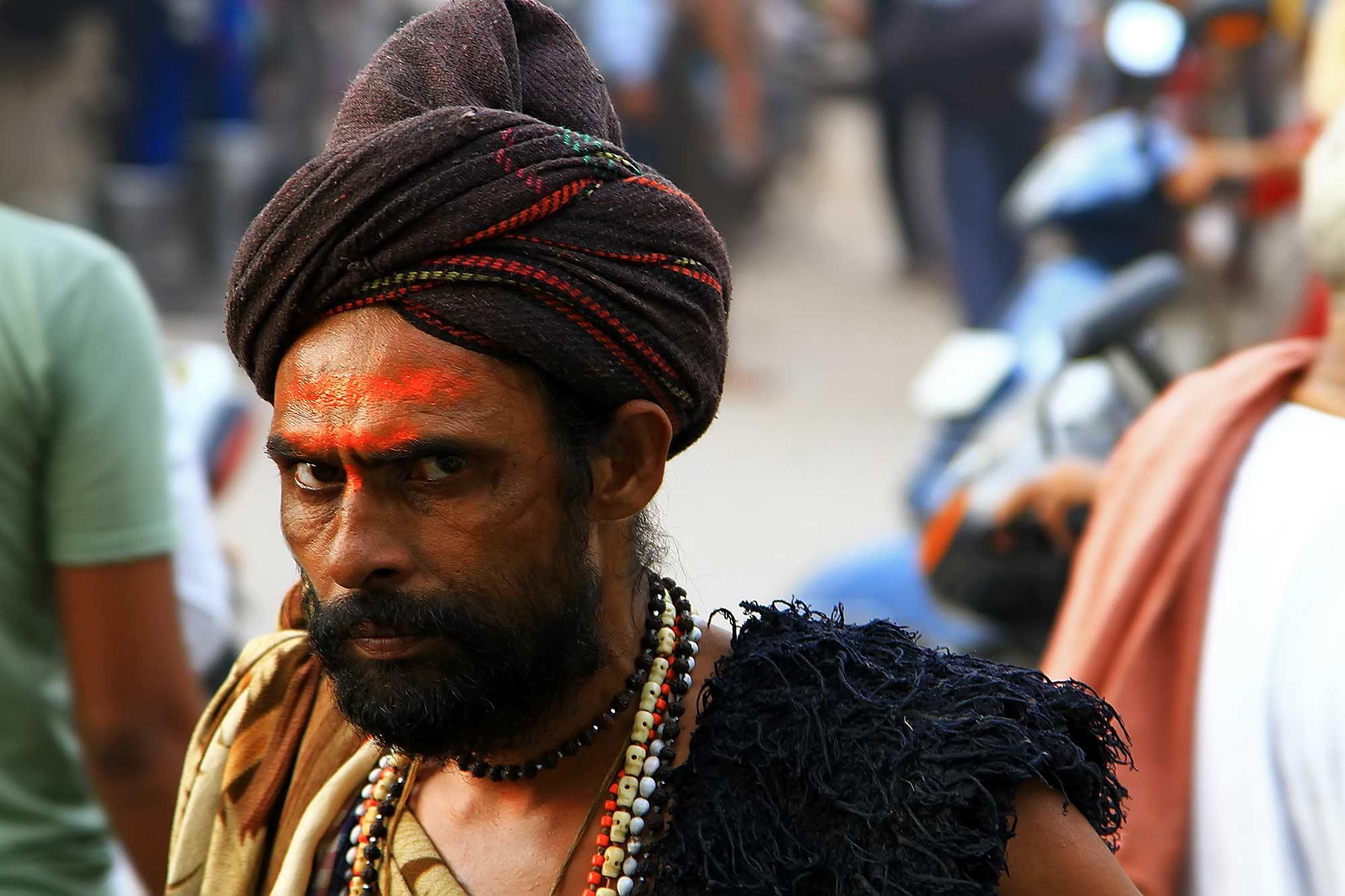 sadhu-man-krishna-festival-varanasi-india
