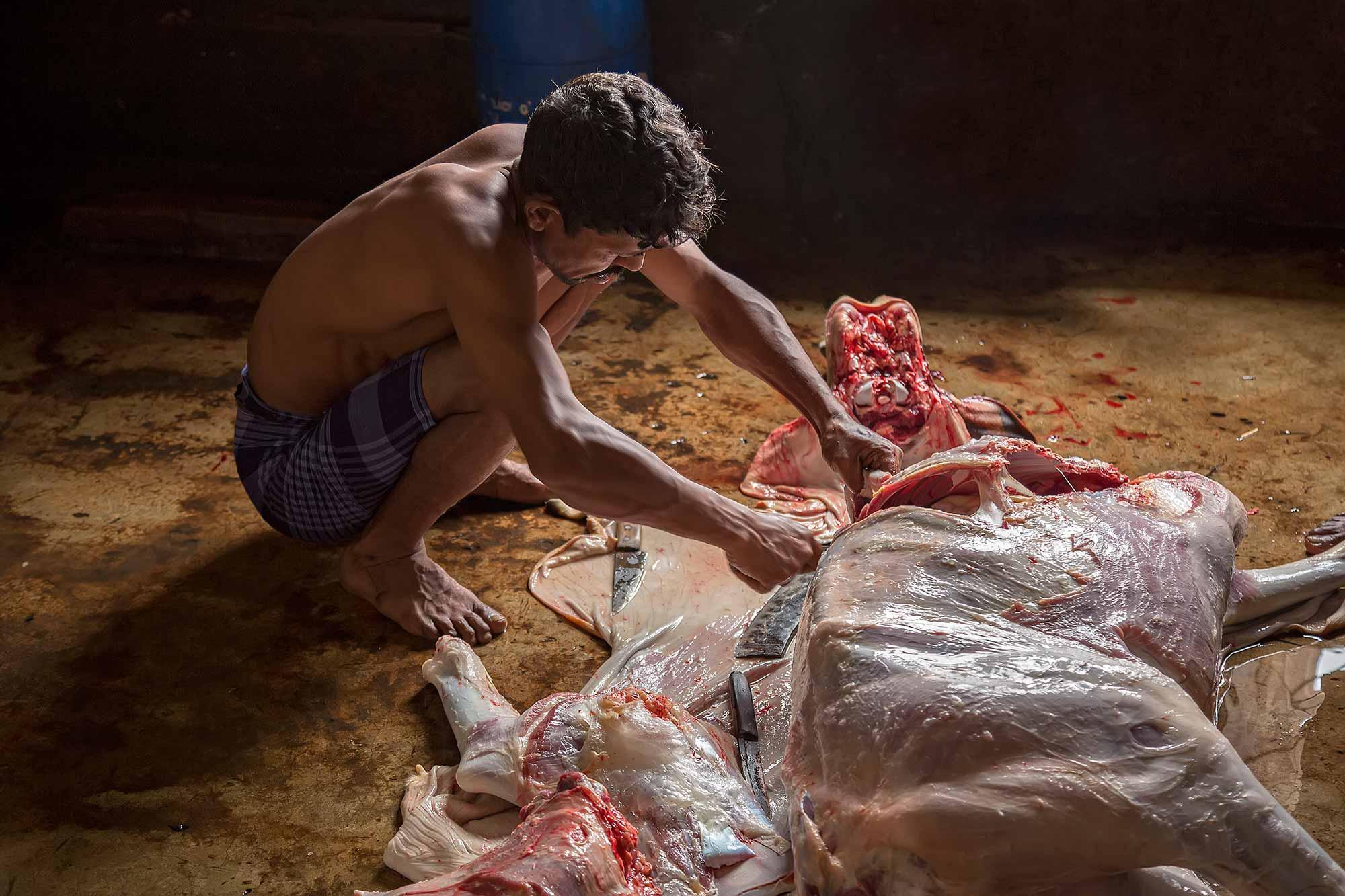 At the slaughter house near the market in Sreemangal, Bangladesh. © Ulli Maier & Nisa Maier