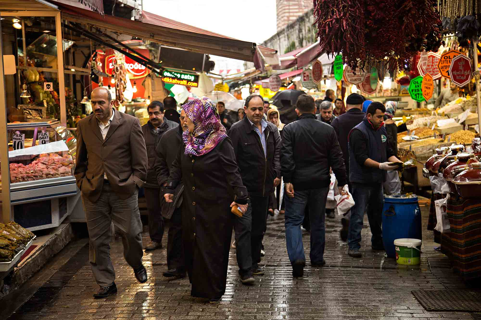 Spice Market in Istanbul, Turkey. © Ulli Maier & Nisa Maier