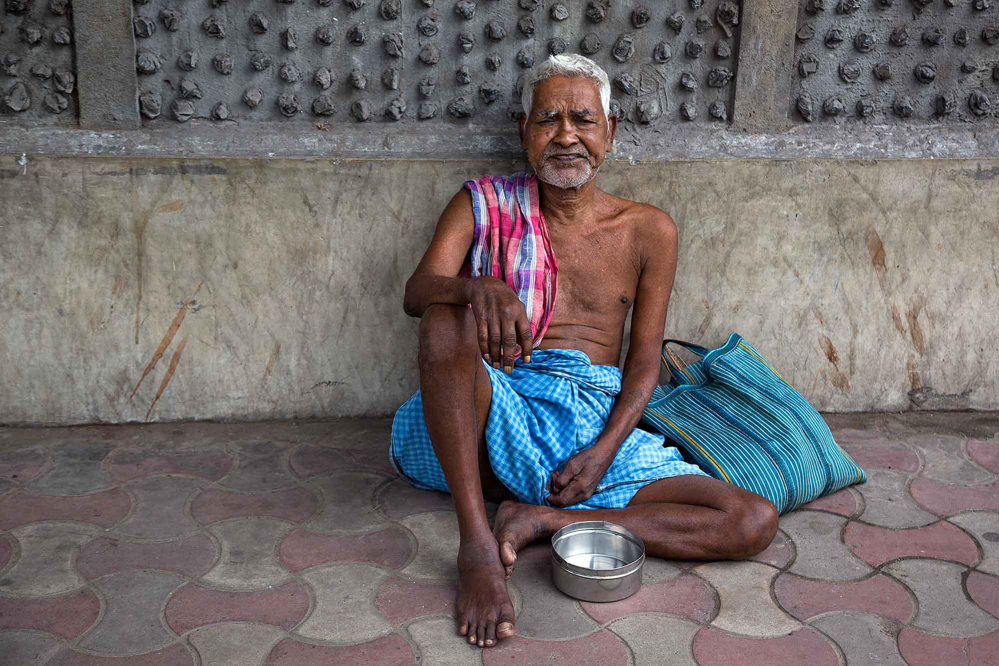 street-poverty-kolkata-west-bengal-india