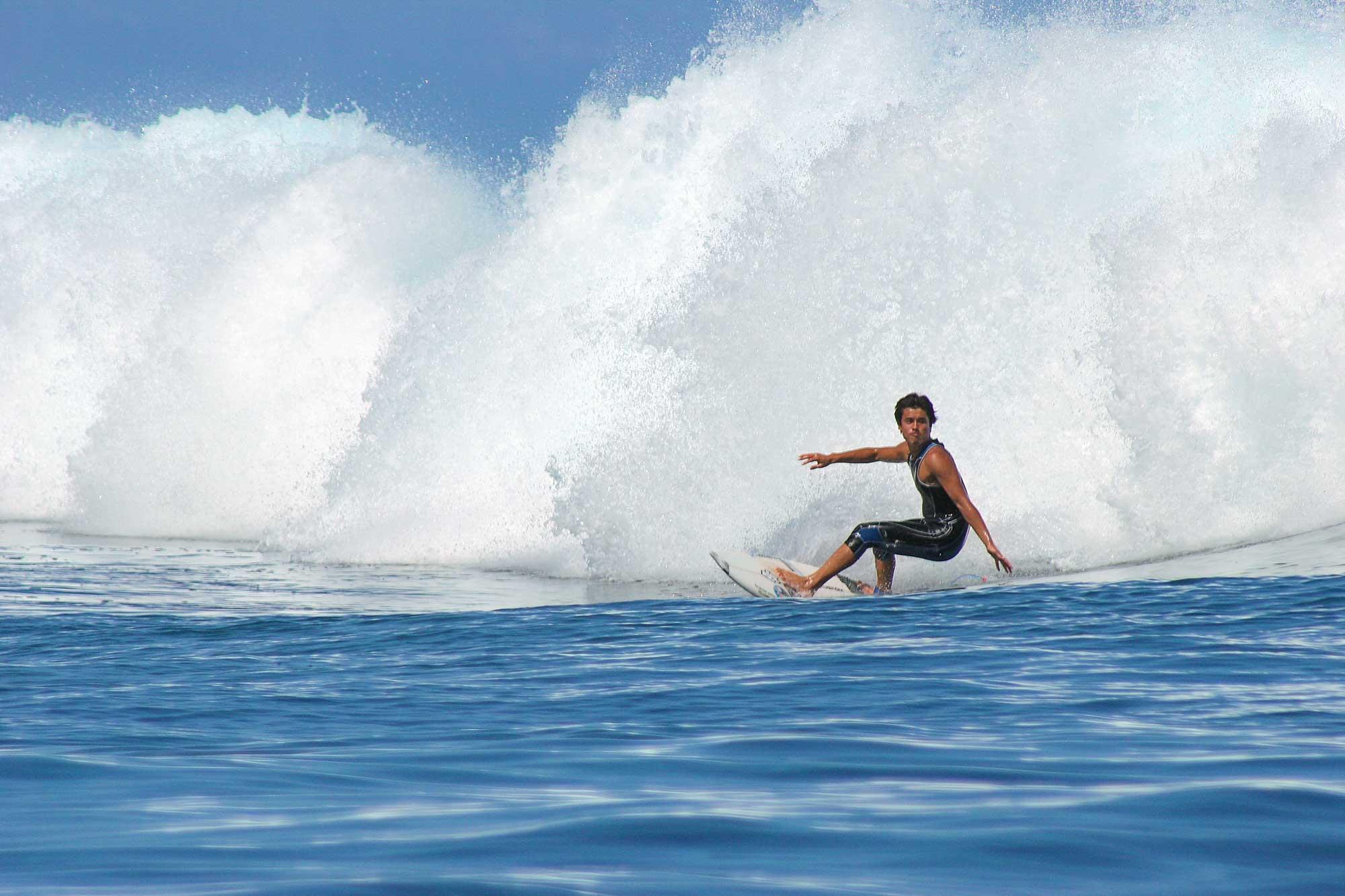 surfing-teahupoo-tahiti-frenchpolynesia-3