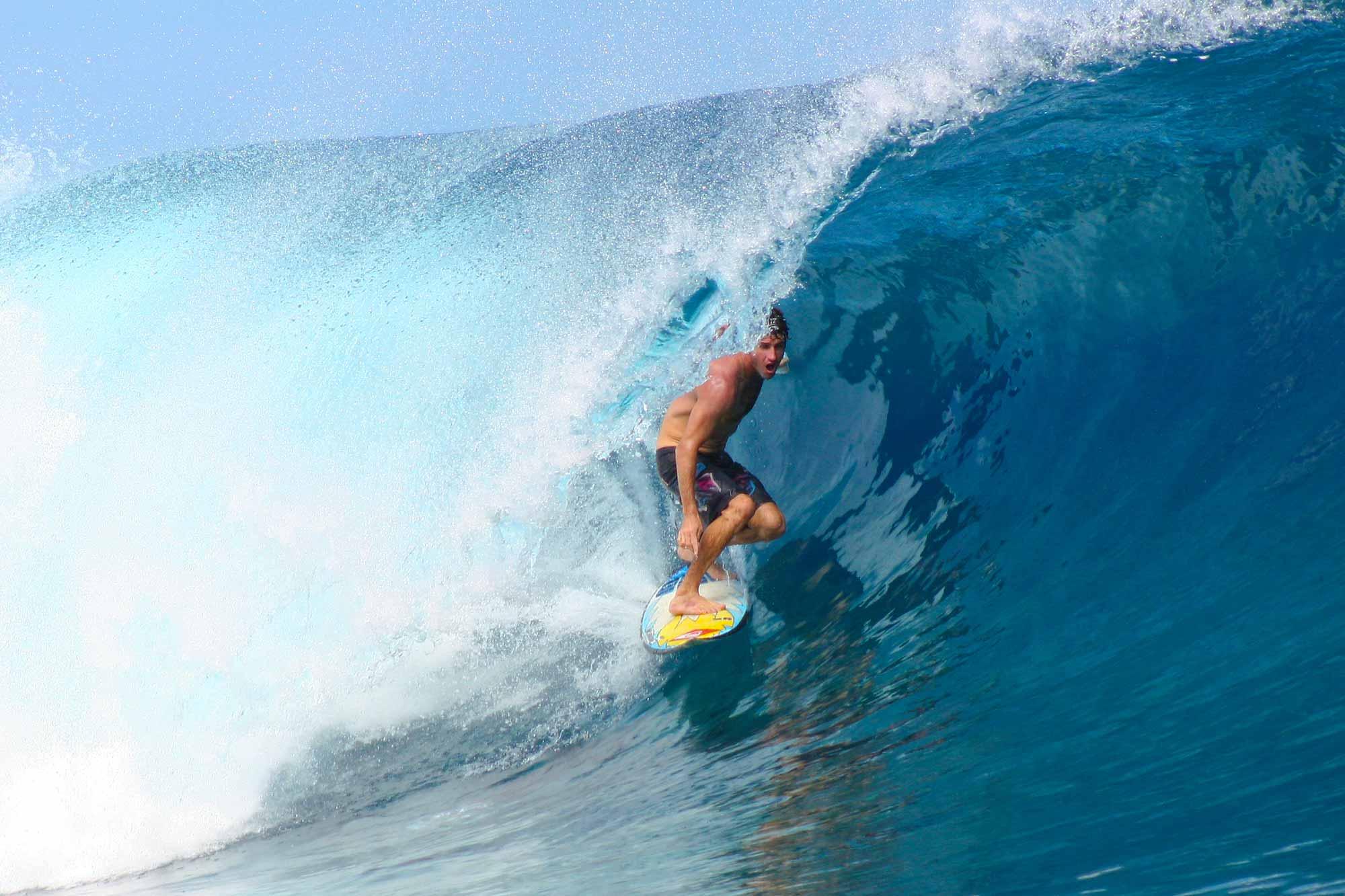 surfing-teahupoo-tahiti-frenchpolynesia