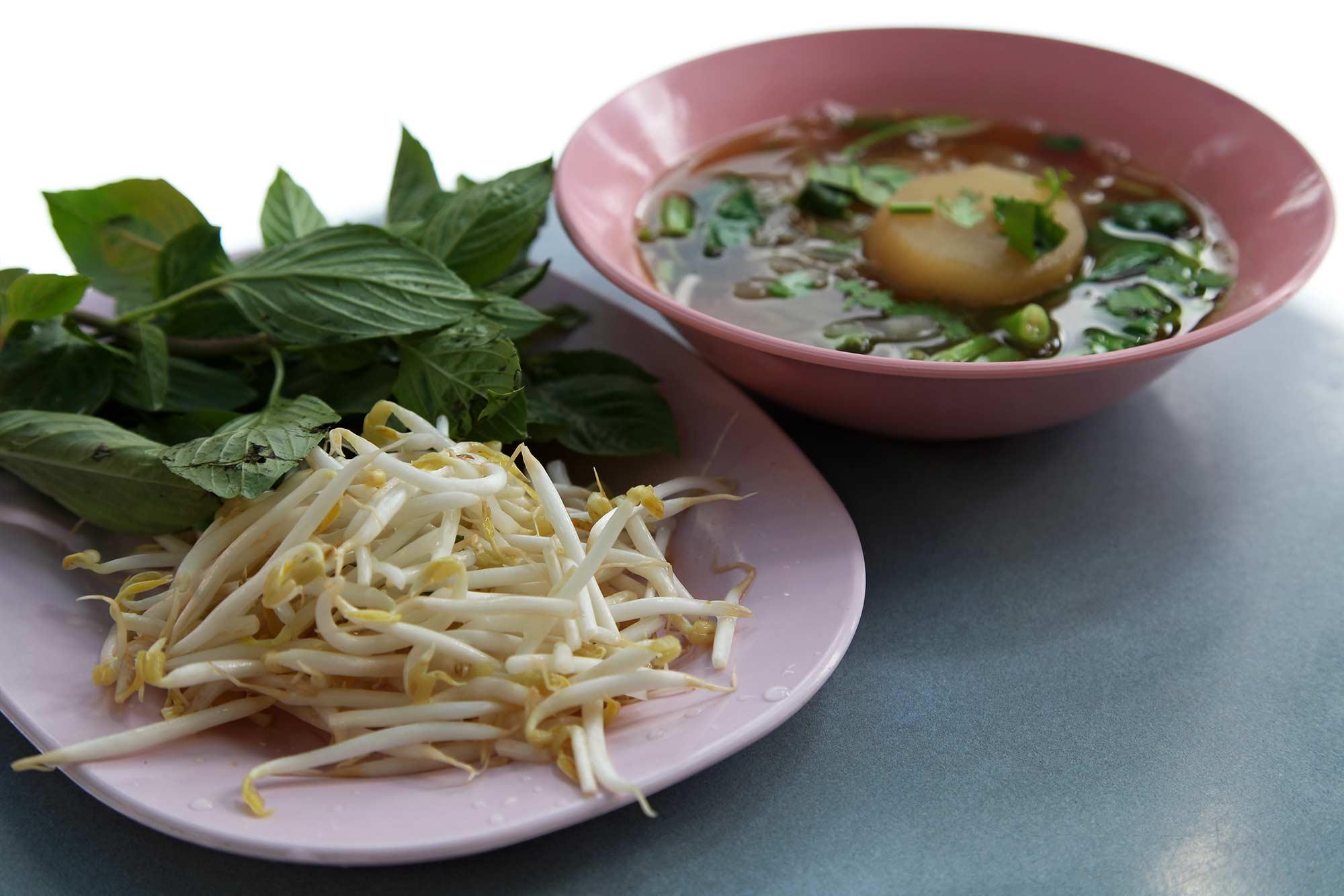 Thai soup in Bangkok, Thailand. © Ulli Maier & Nisa Maier
