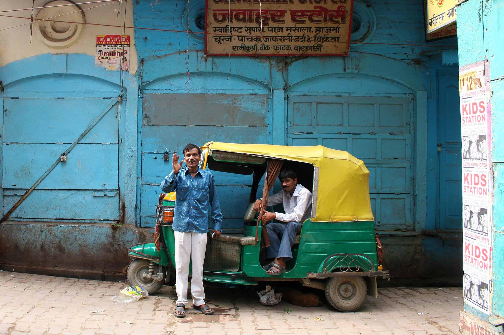 tuk-tuk-driver-varanasi-india