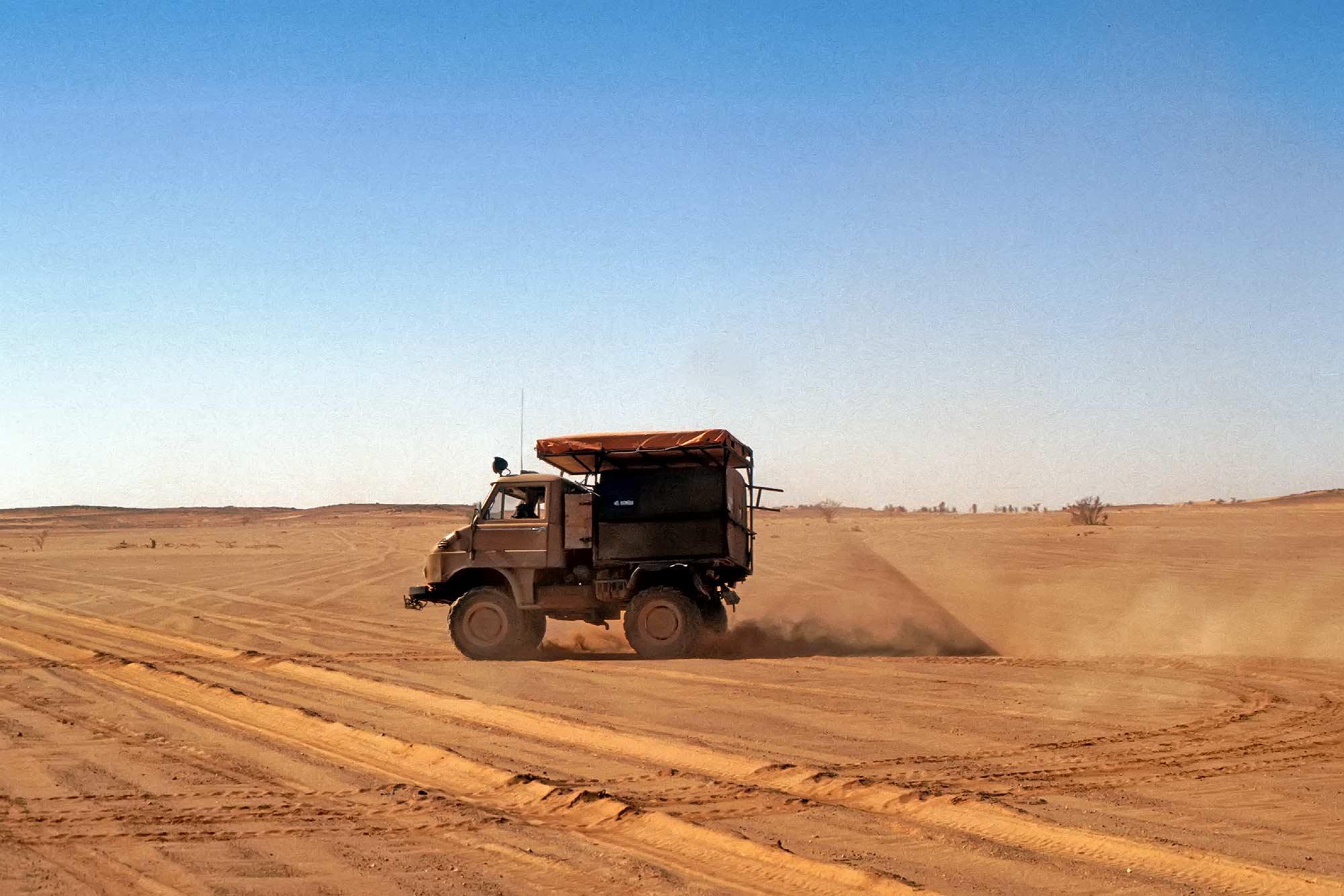 unimog-northern-sudan-africa-desert