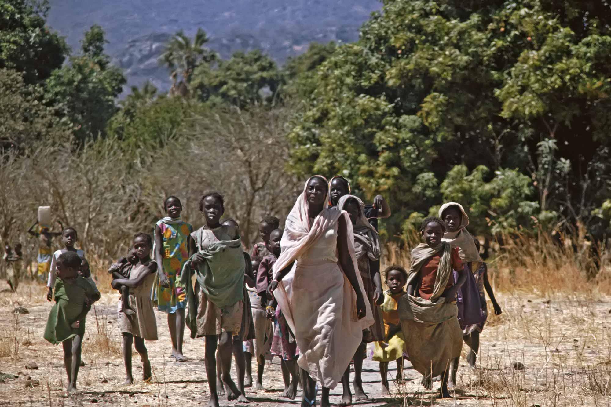 women-southern-sudan-africa