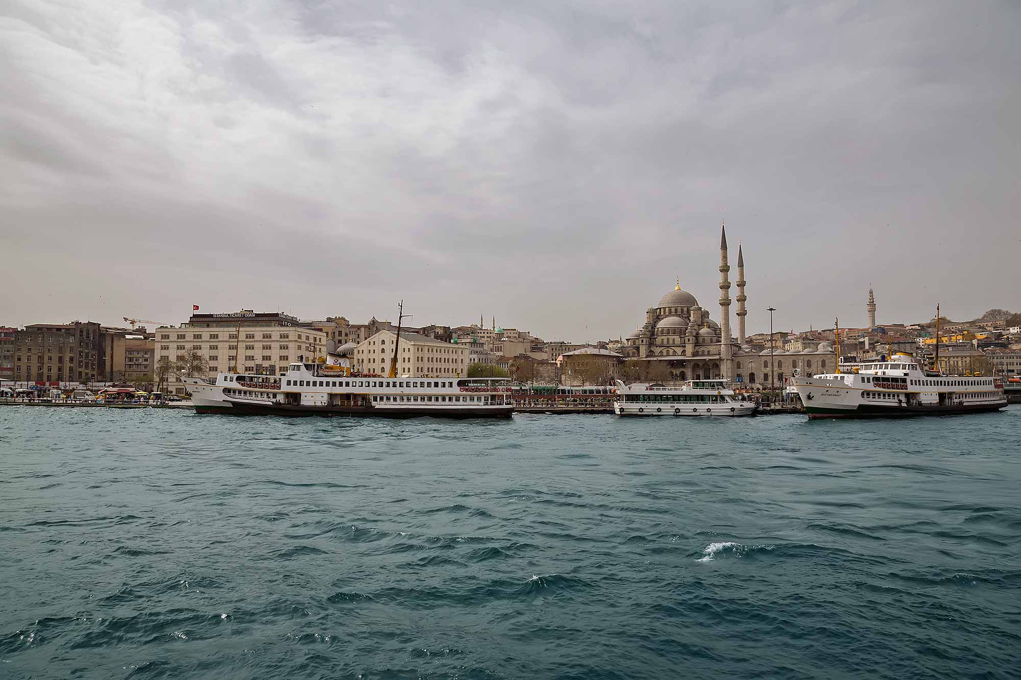 Istanbul city view from the Bosphorus. © Ulli Maier & Nisa Maier
