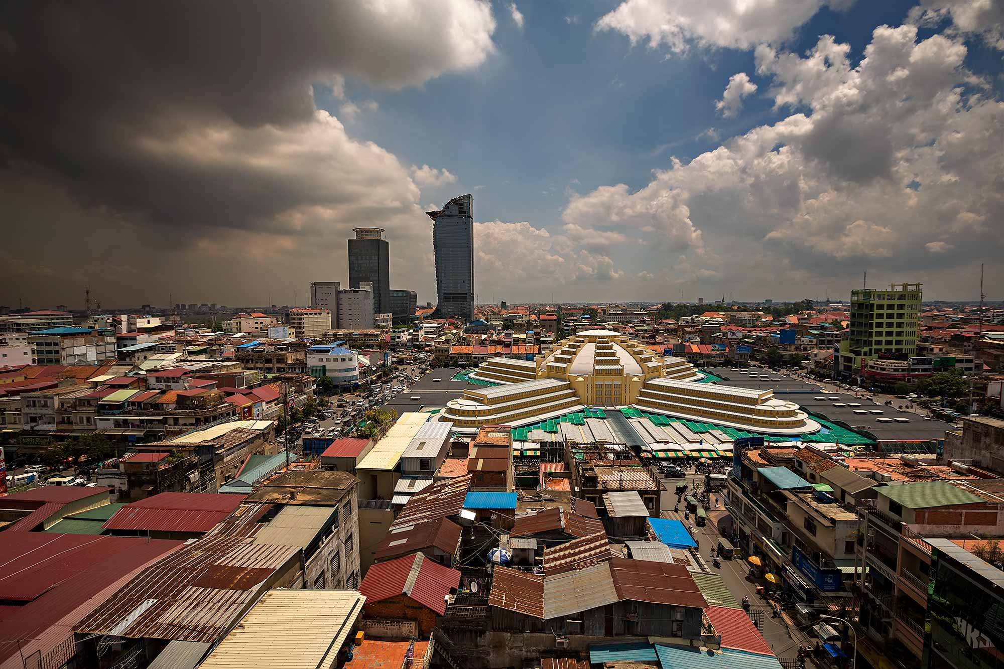 View of the Central market - Phsar Thmei - in Phnom Penh, Cambodia. © Ulli Maier & Nisa Maier