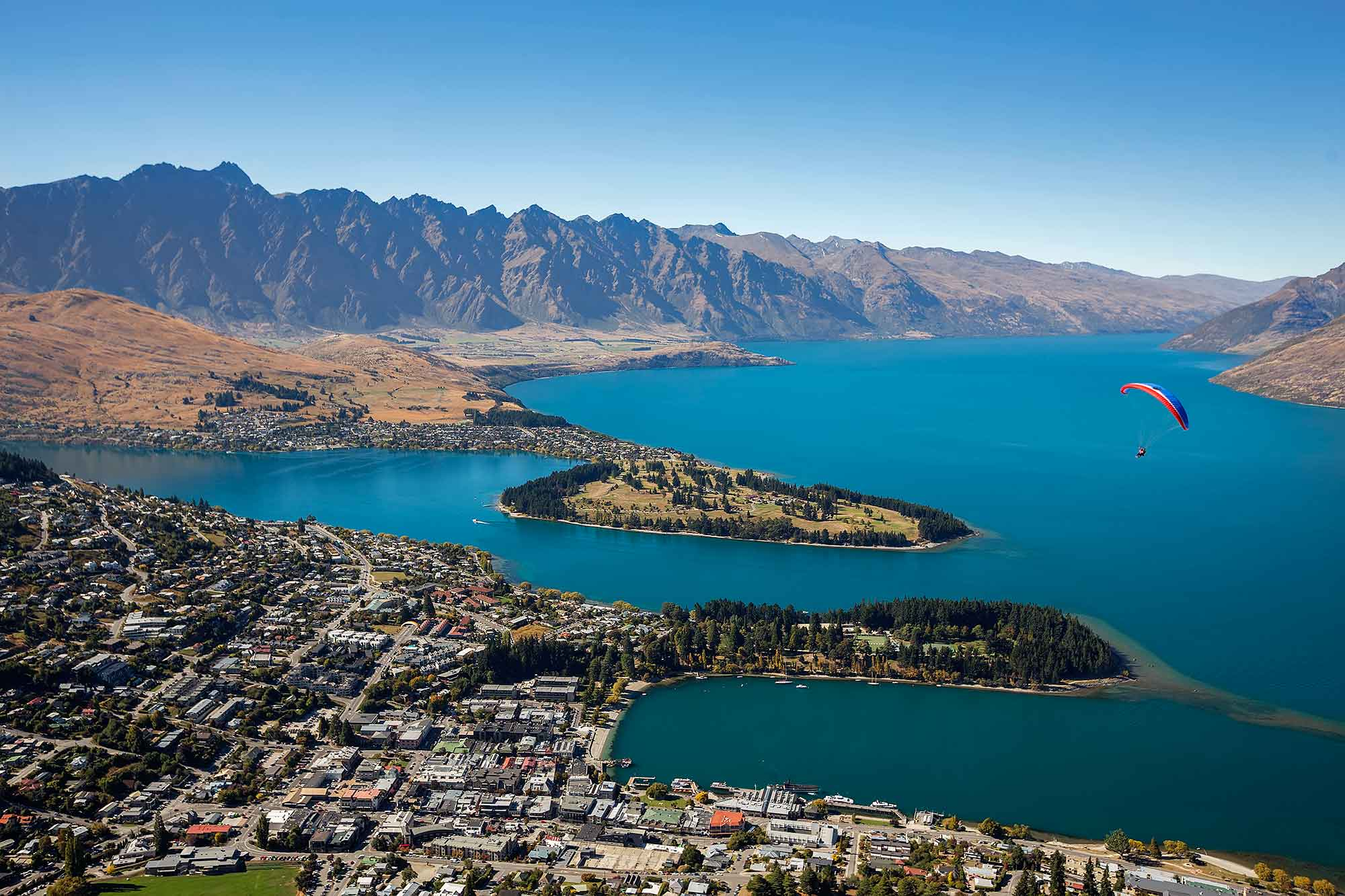 Queenstown on Lake Wakatipu, New Zealand. © Ulli Maier & Nisa Maier