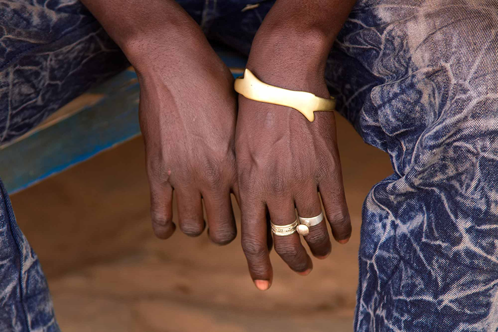 Hands of a man in Ouagadougou, Burkina Faso. © Ulli Maier & Nisa Maier