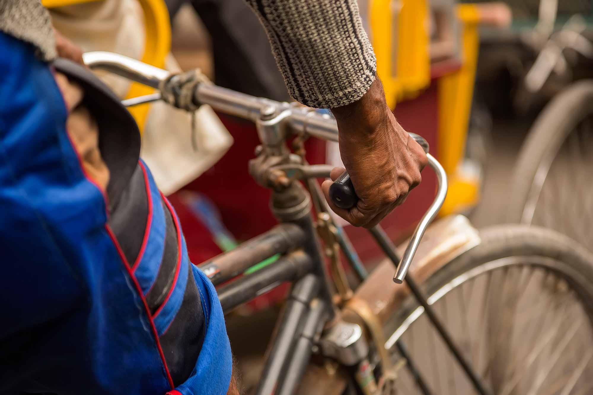 Hands of a Rikschaw driver in the streets of Kolkata, India. © Ulli Maier & Nisa Maier