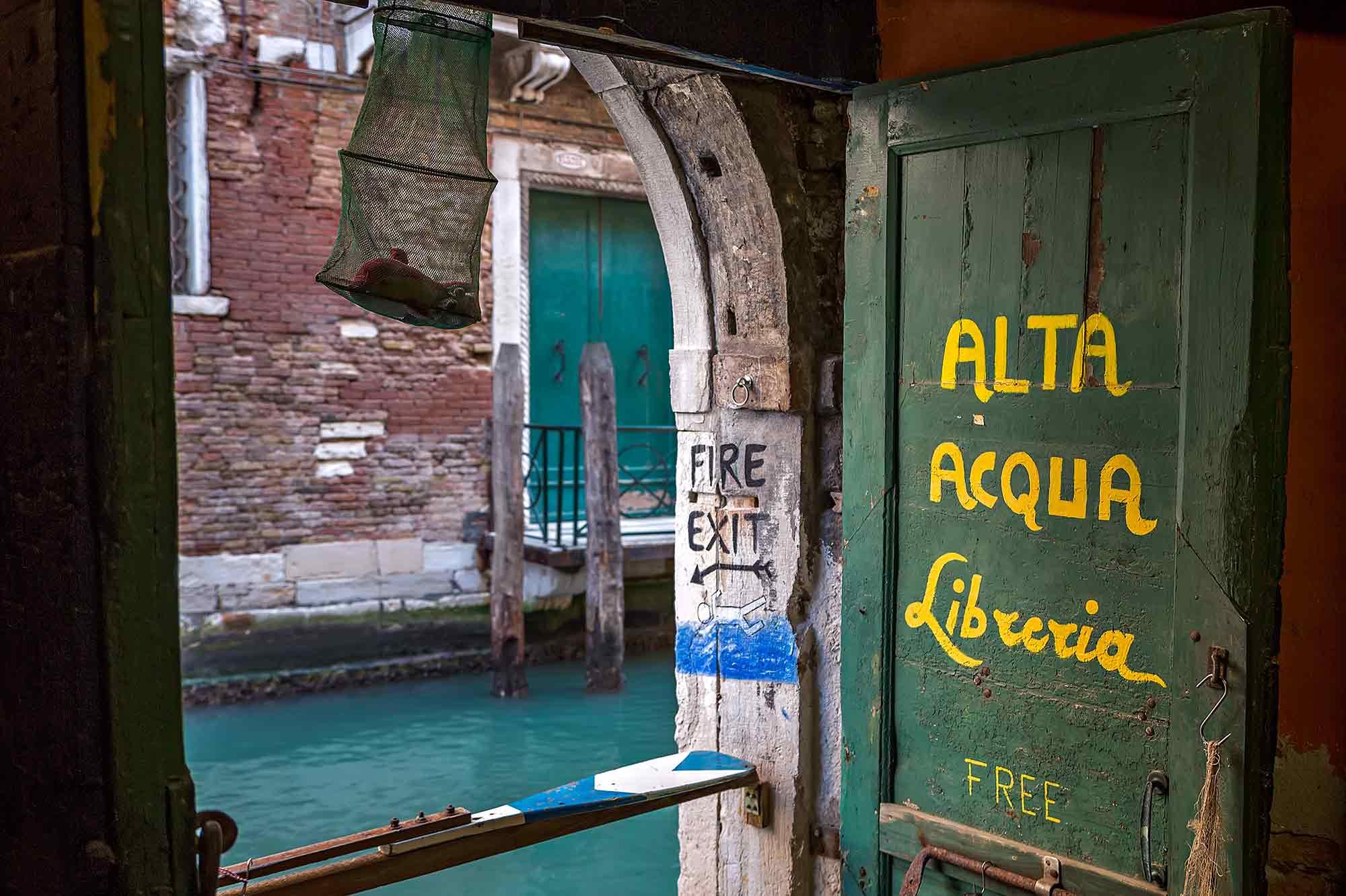 Libreria Acqua Alta bookstore in Venice, Italy. © Ulli Maier & Nisa Maier