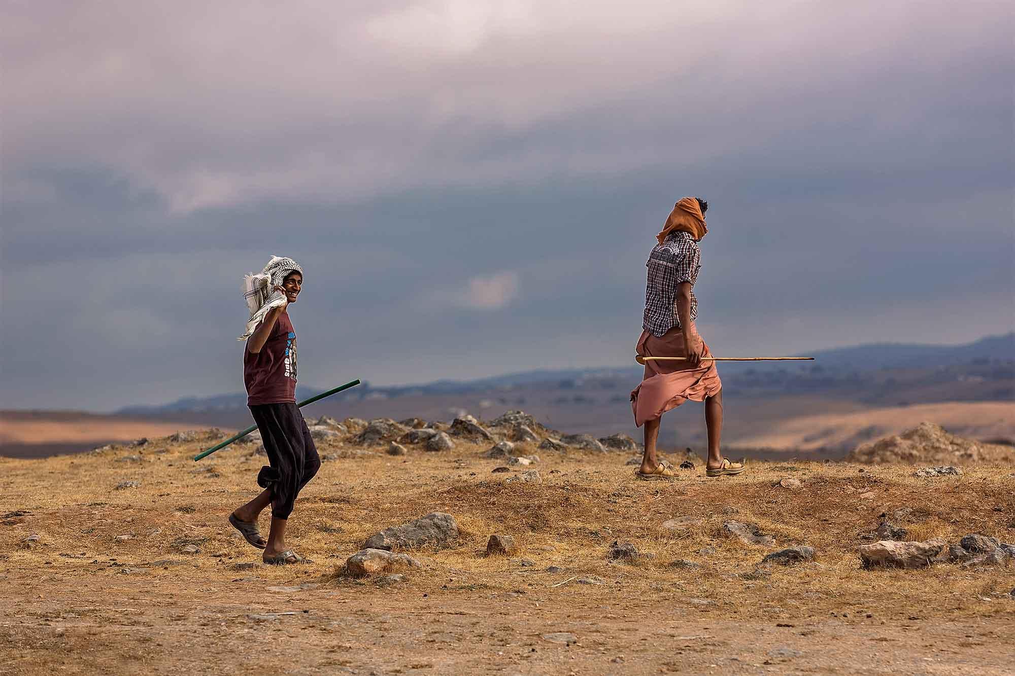 camel-herders-near-thumrait-oman