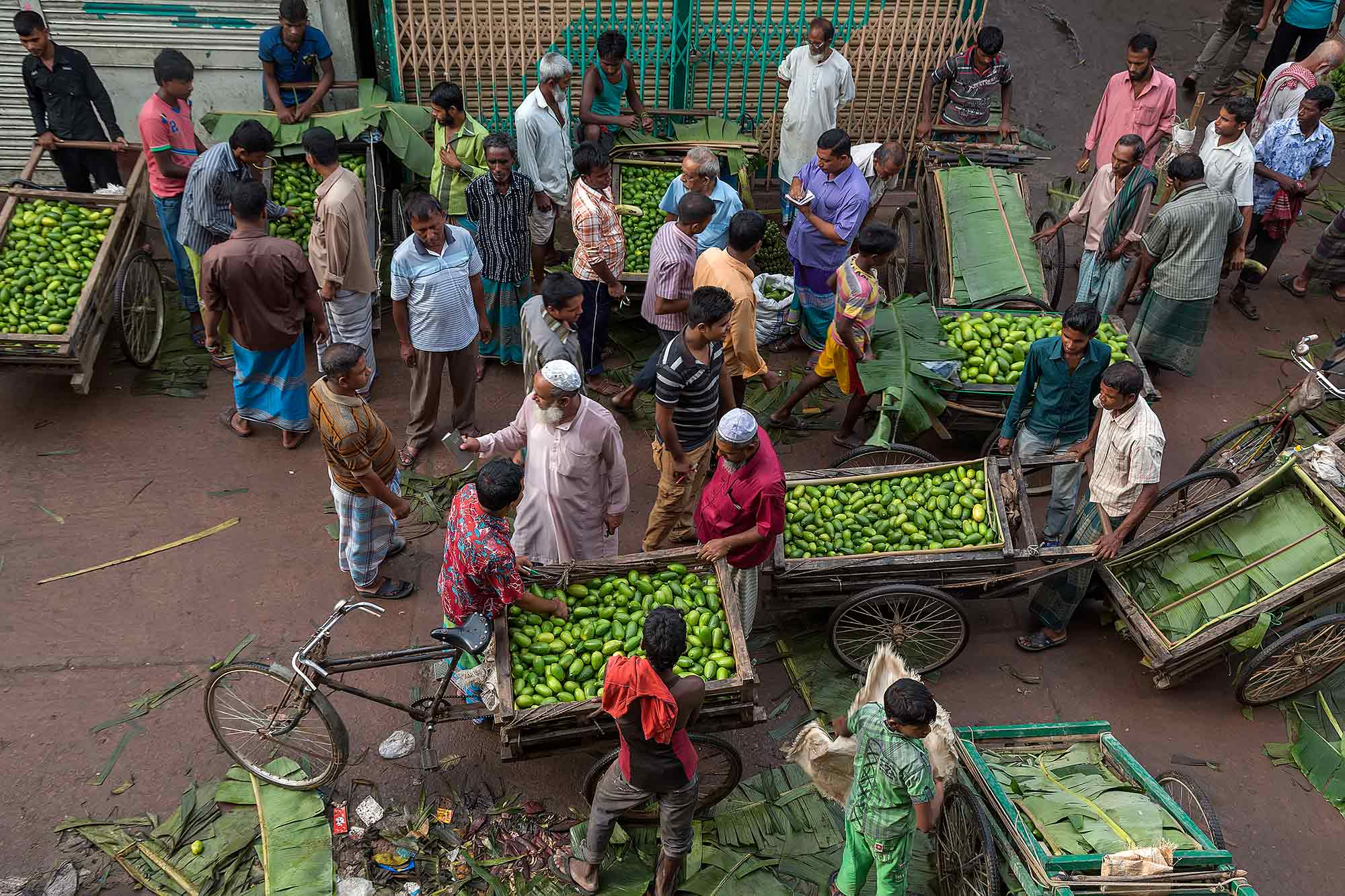 Markt life in Sreemangal, Bangladesh. © Ulli Maier & Nisa Maier
