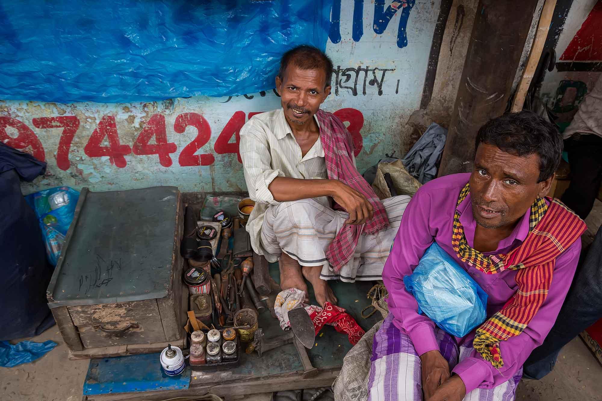 Street life in Dhaka, Bangladesh. © Ulli Maier & Nisa Maier
