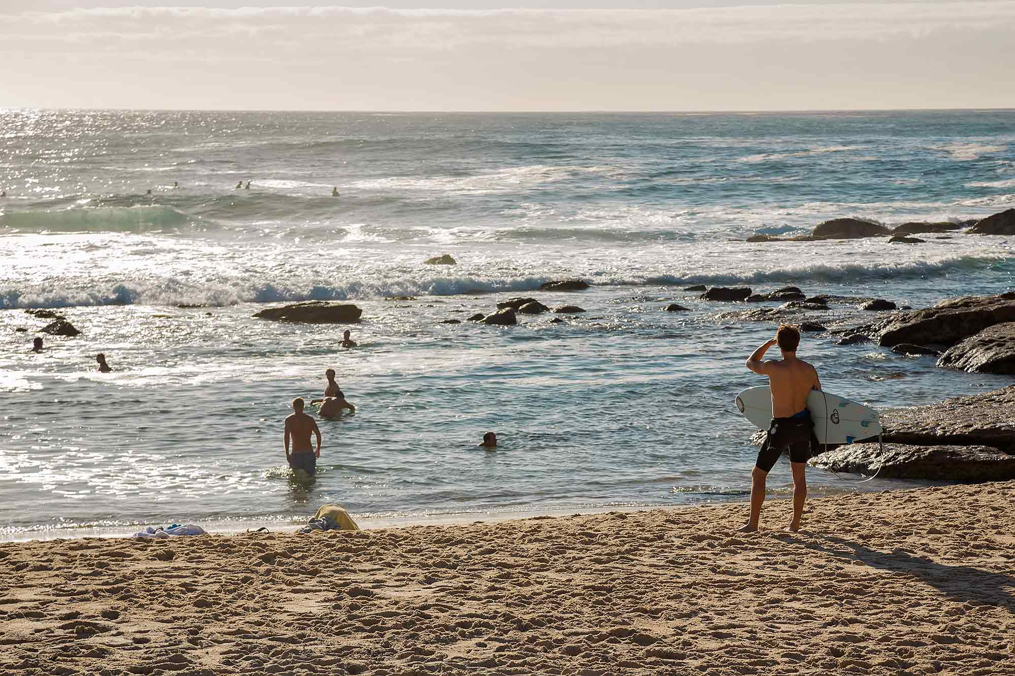 Sydney Coastal Walk: Surfer at Bronte Beach. © Ulli Maier & Nisa Maier