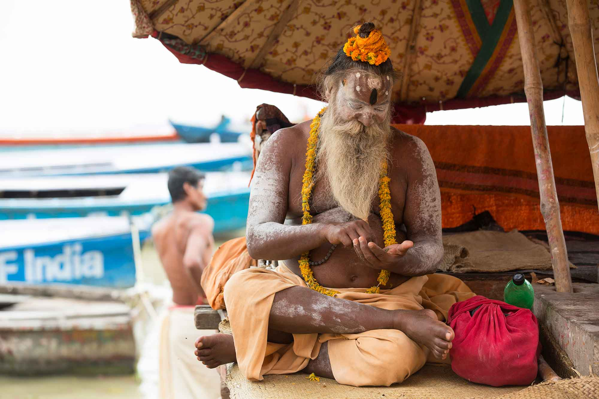 sadhu-varanasi-ganges-india