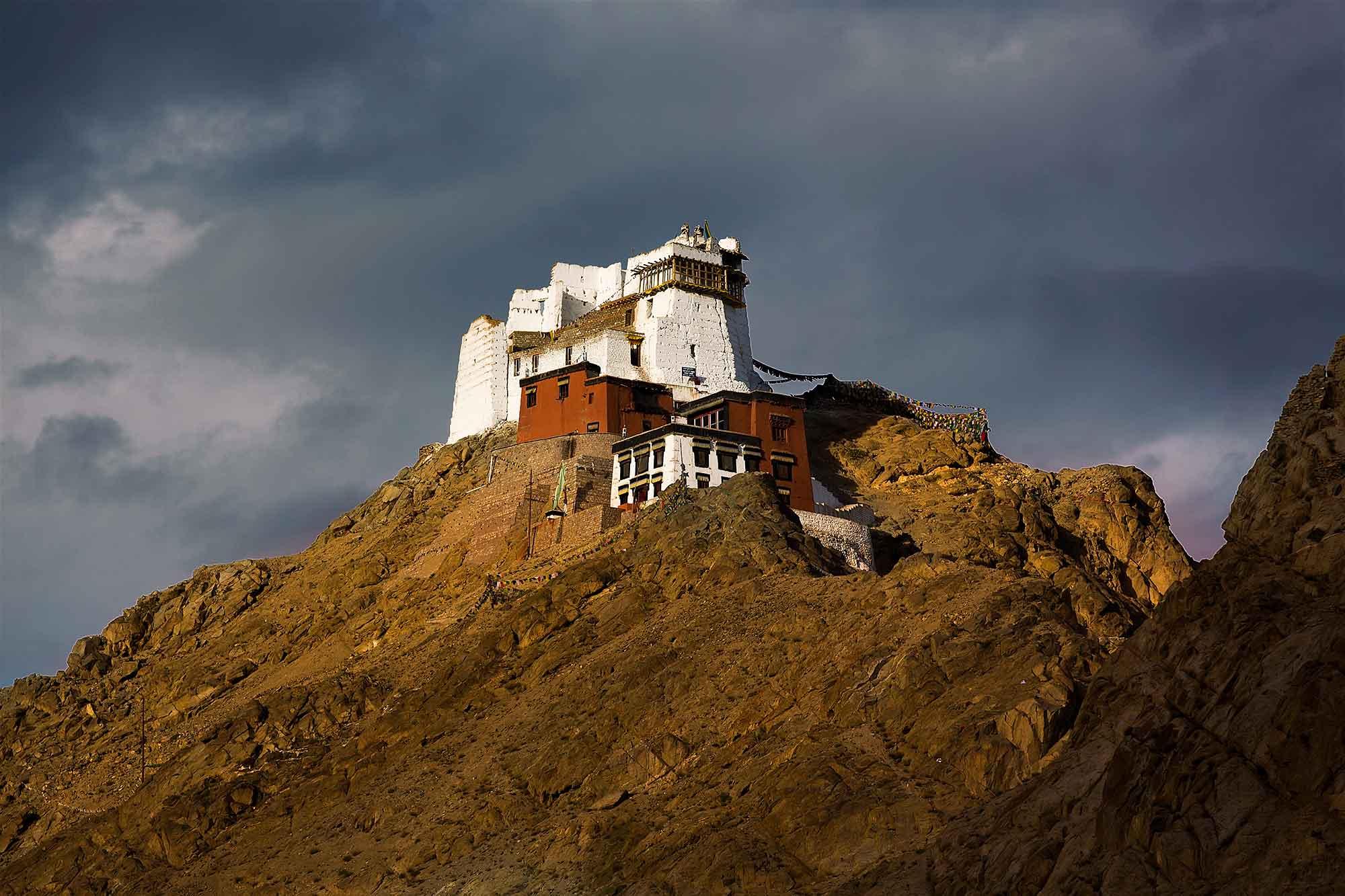 Namgyal-Tsemo-gompa-leh-ladakh-kashmir-india-3