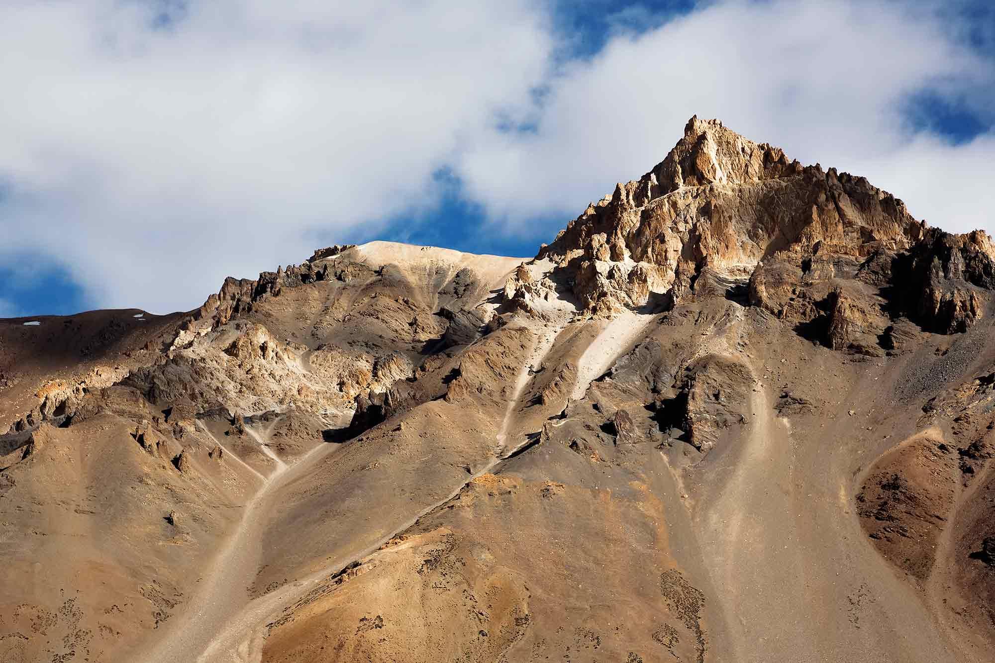 Sarchu-leh-manali-highway-kashmir-ladakh-india