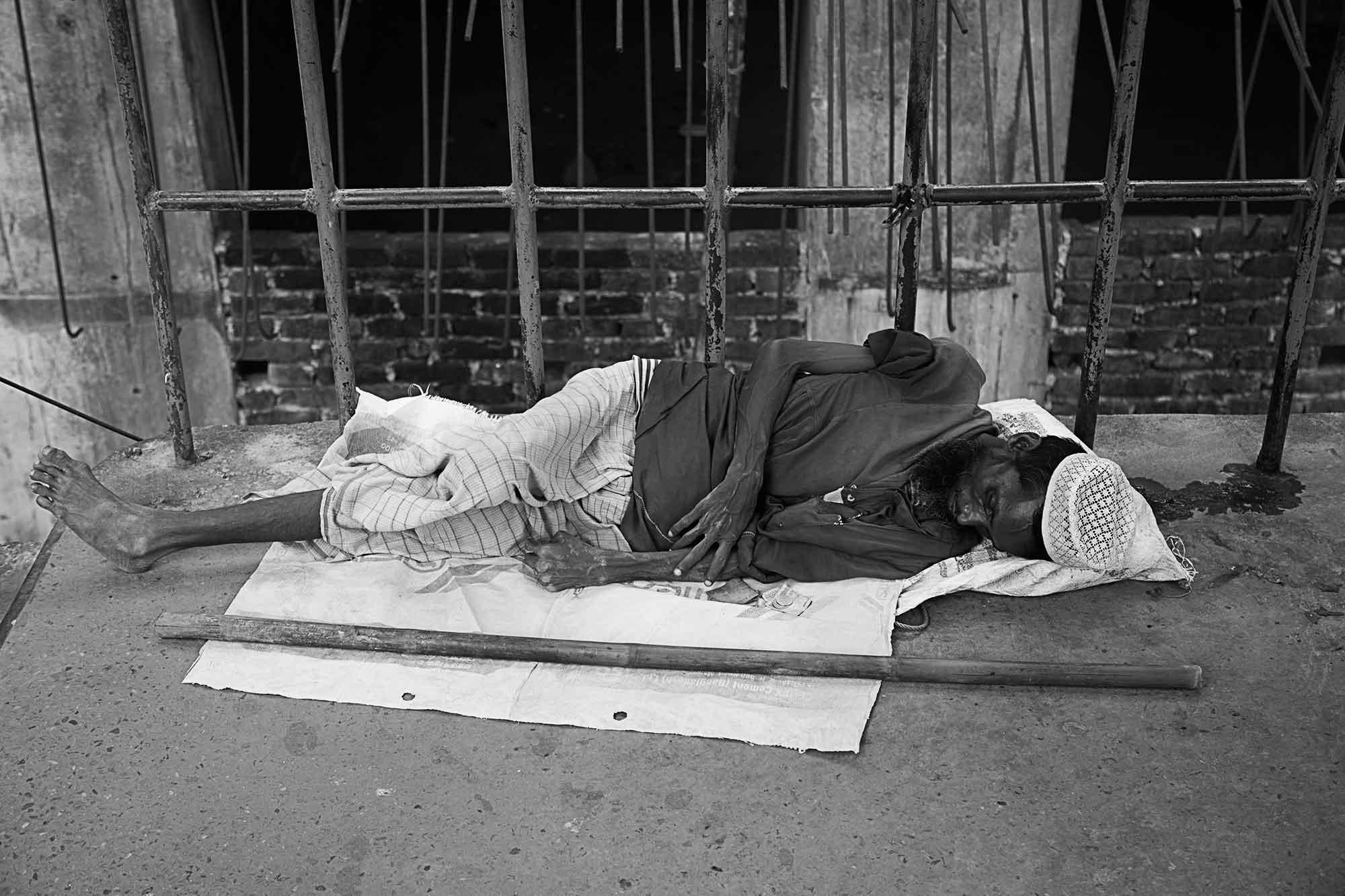 disabled-man-old-dhaka-streets-bangladesh