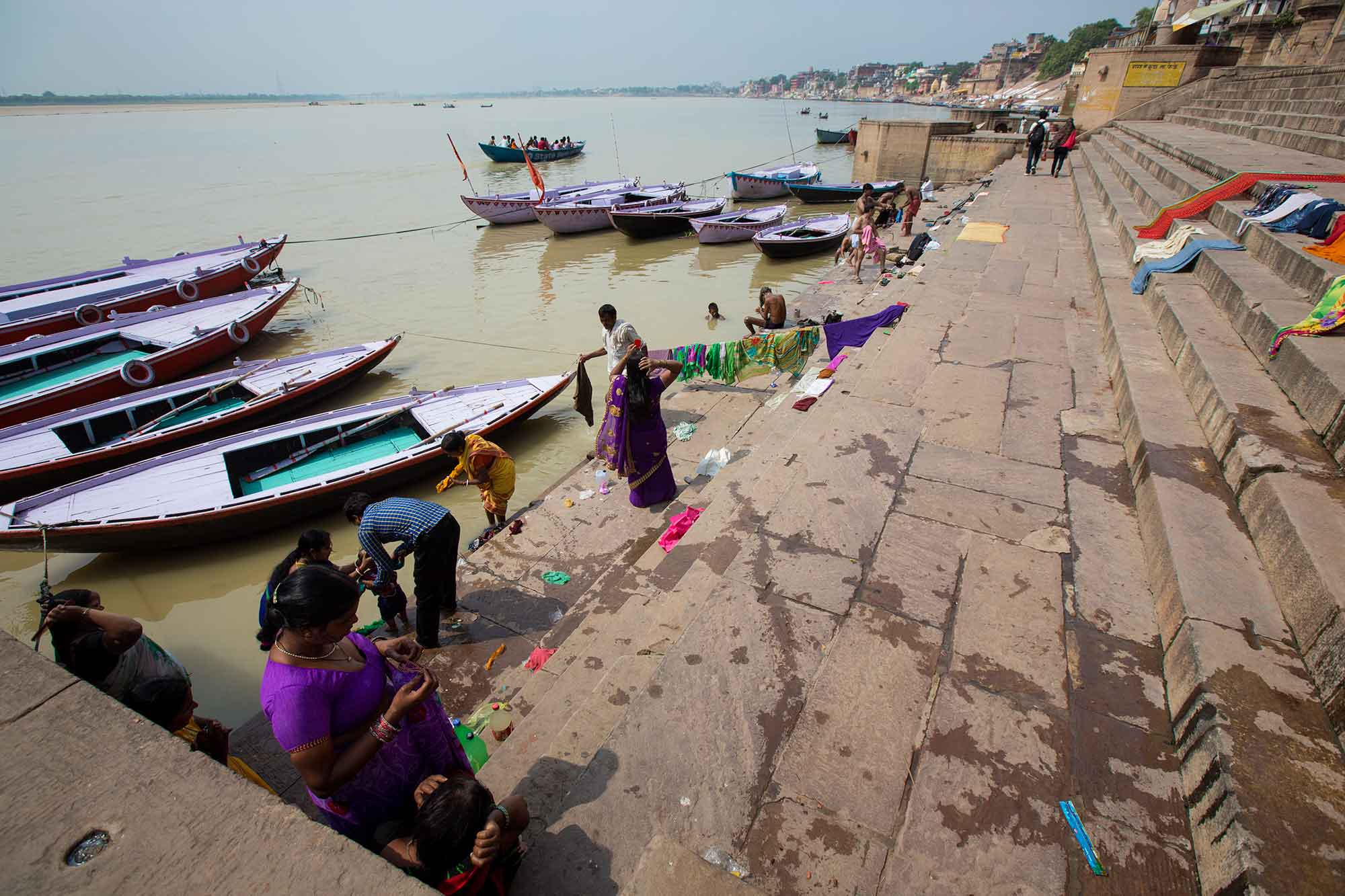 drying-clothes-ghats-varanasi-india