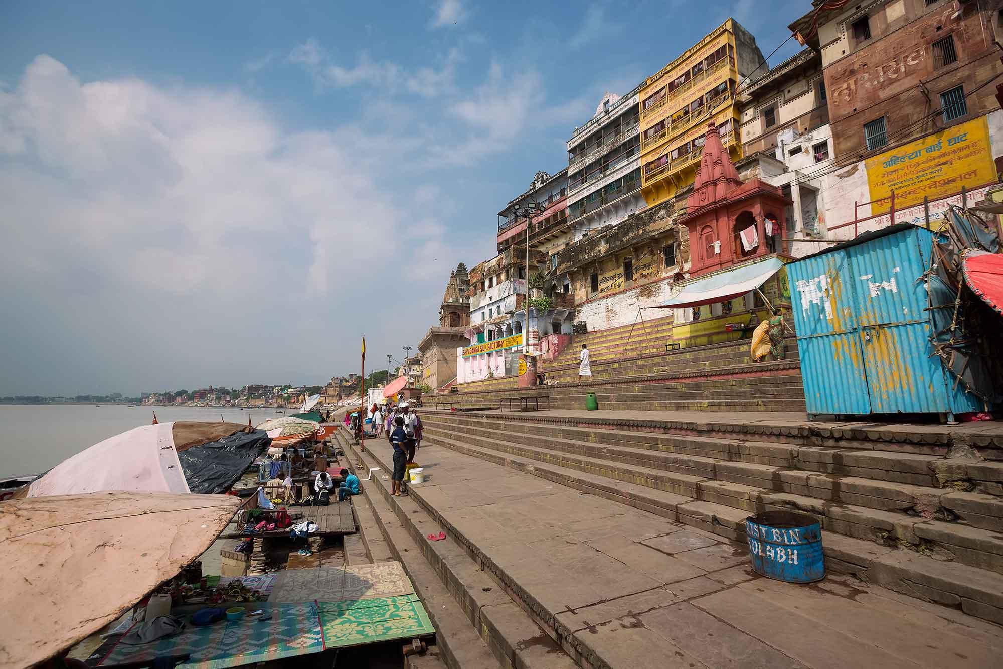 ghats-skyline-varanasi-india