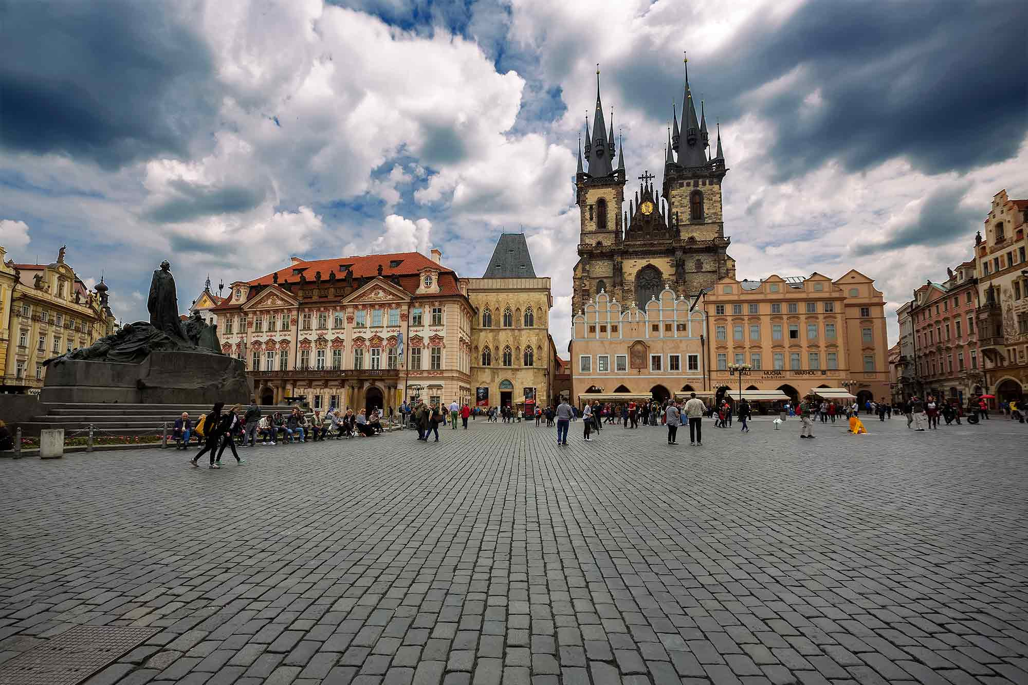 prague-old-town-spare-tyn-church-czech-republic