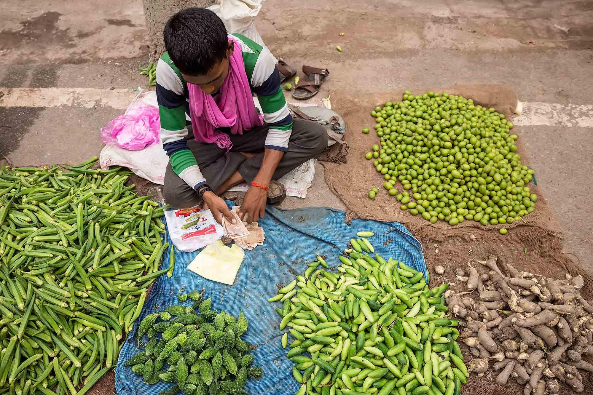 street-market-varanasi-india