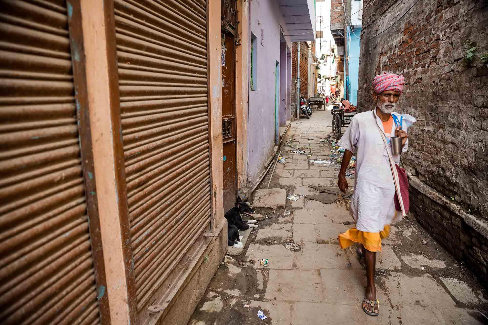 street-scene-varanasi-india
