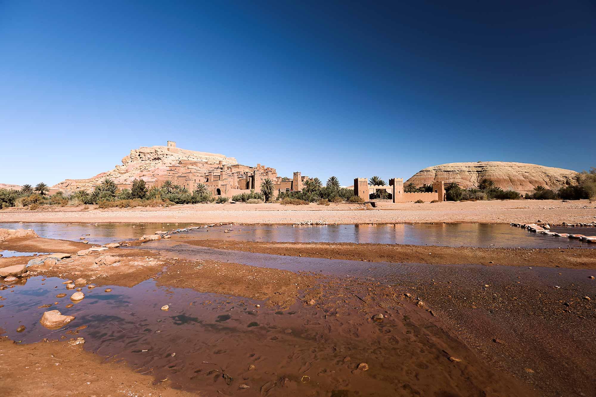 Ait Ben Haddou is famous because of Hollywood productions like Gladiator or Game of Thrones. But the city itself would be wort a visit, even without the star-factor. © ULLI MAIER & NISA MAIER