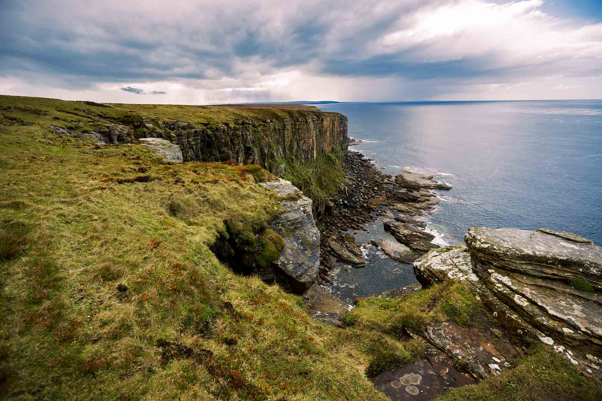 More cliffs of Scotland. © ULLI MAIER & NISA MAIER