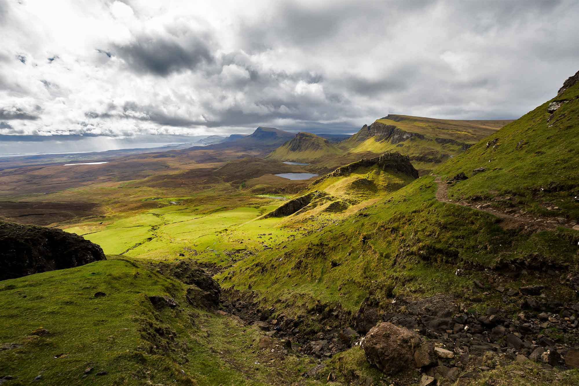 The Quiraing is a landslip on the Isle of Skye and a world famous hike. © ULLI MAIER & NISA MAIER